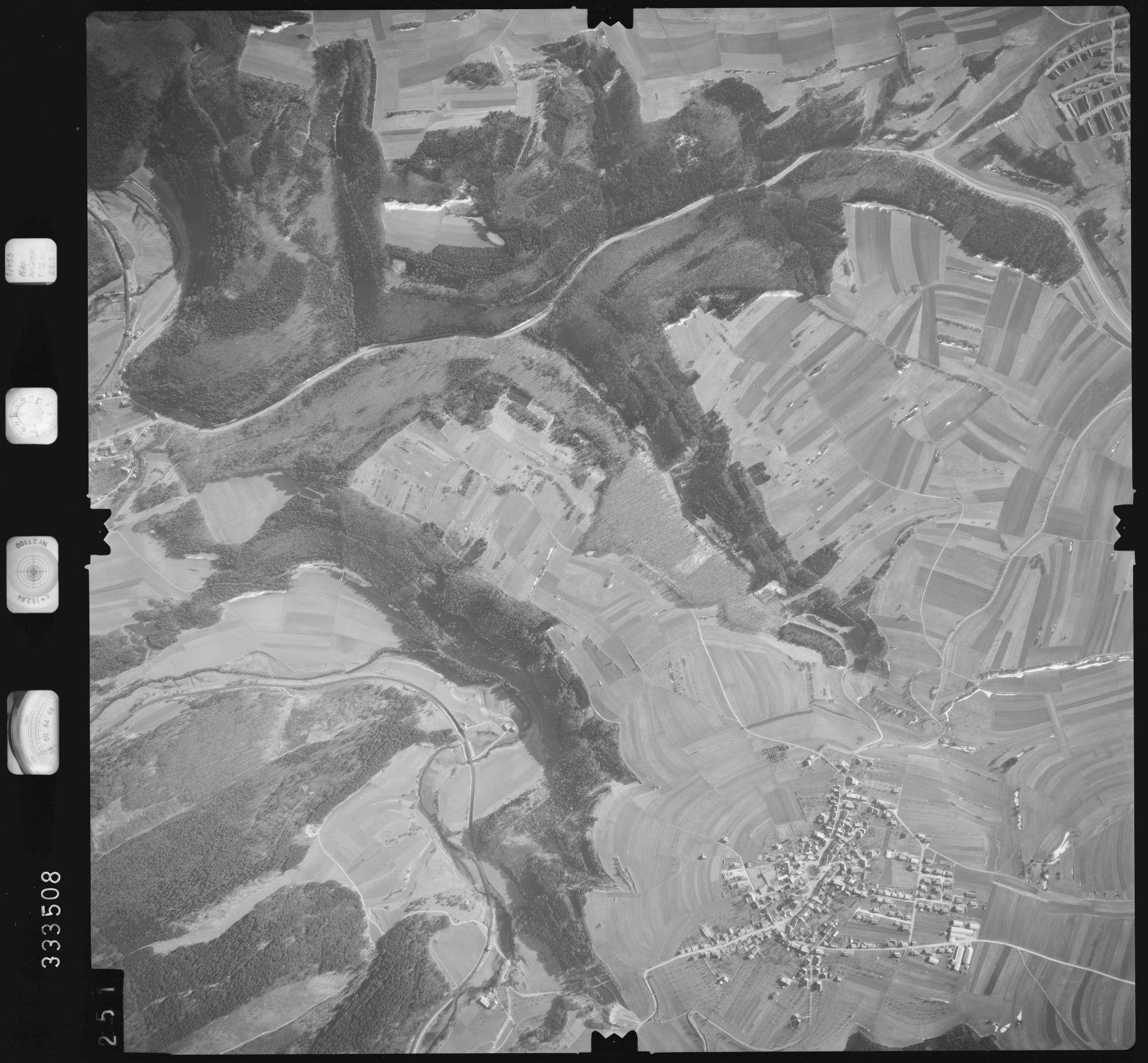 Luftbild: Film 51 Bildnr. 251, Bild 1