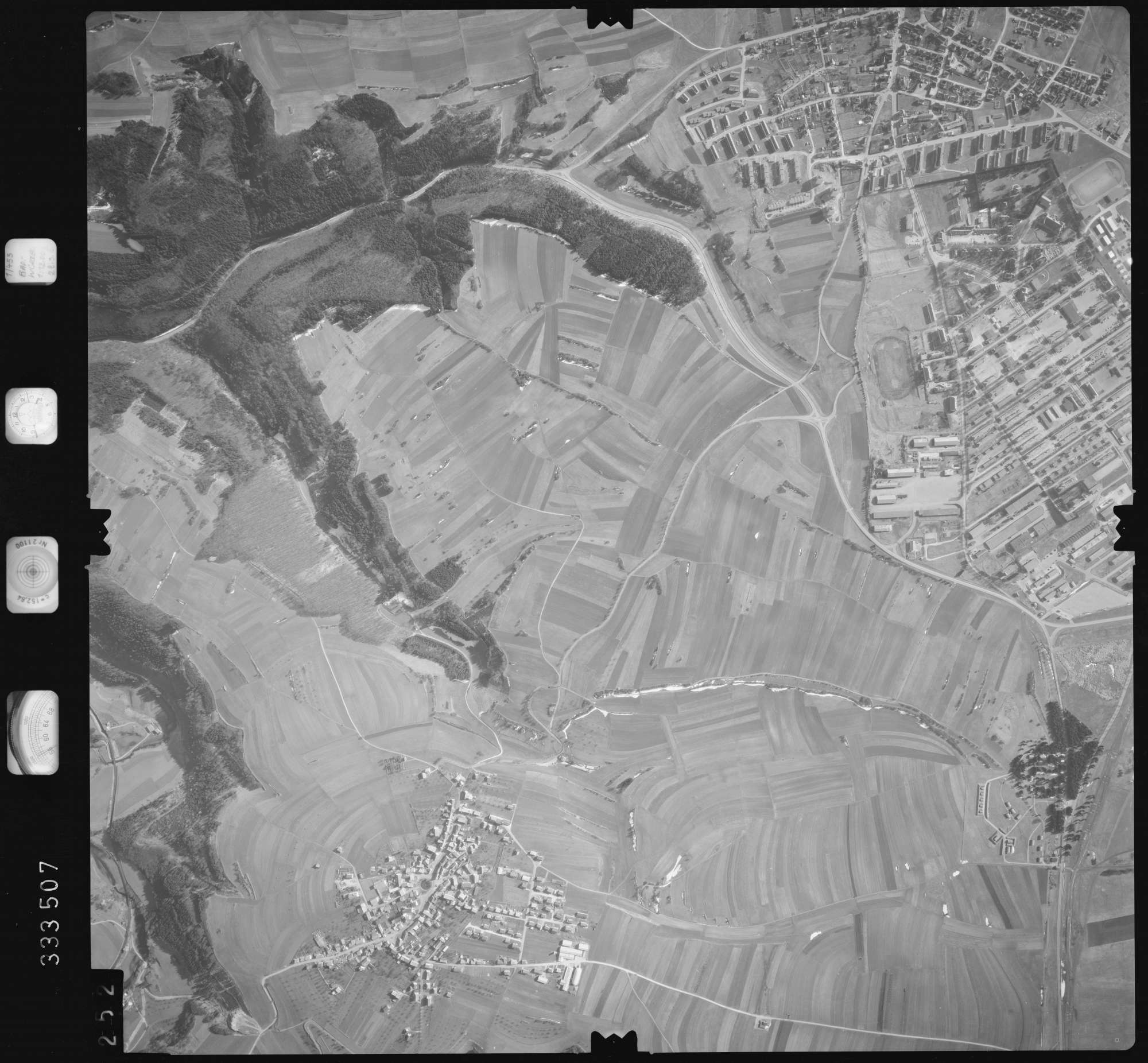 Luftbild: Film 51 Bildnr. 252, Bild 1