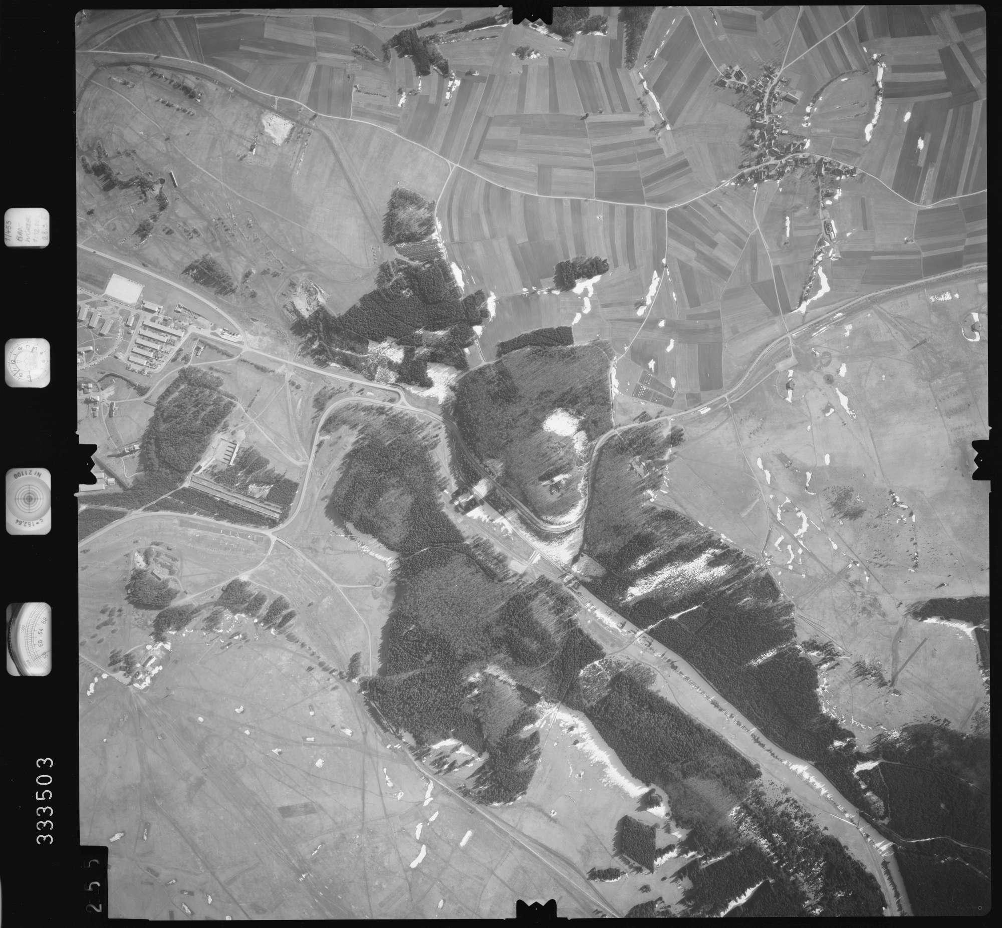 Luftbild: Film 51 Bildnr. 255, Bild 1