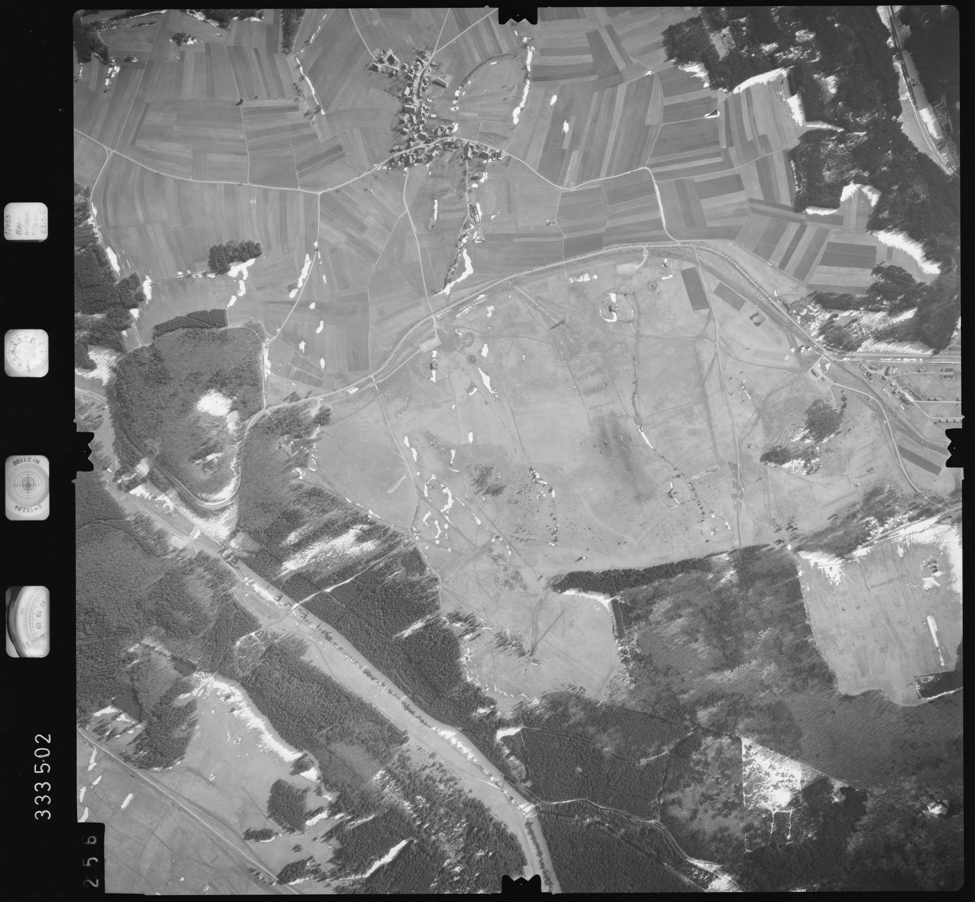 Luftbild: Film 51 Bildnr. 256, Bild 1