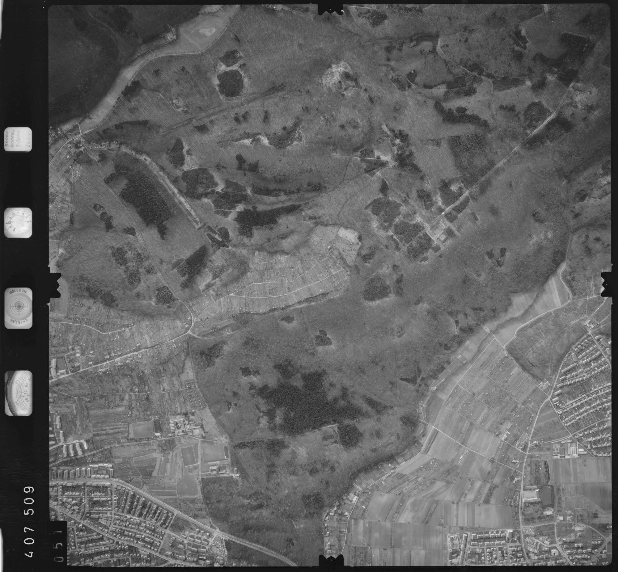 Luftbild: Film 5 Bildnr. 51, Bild 1