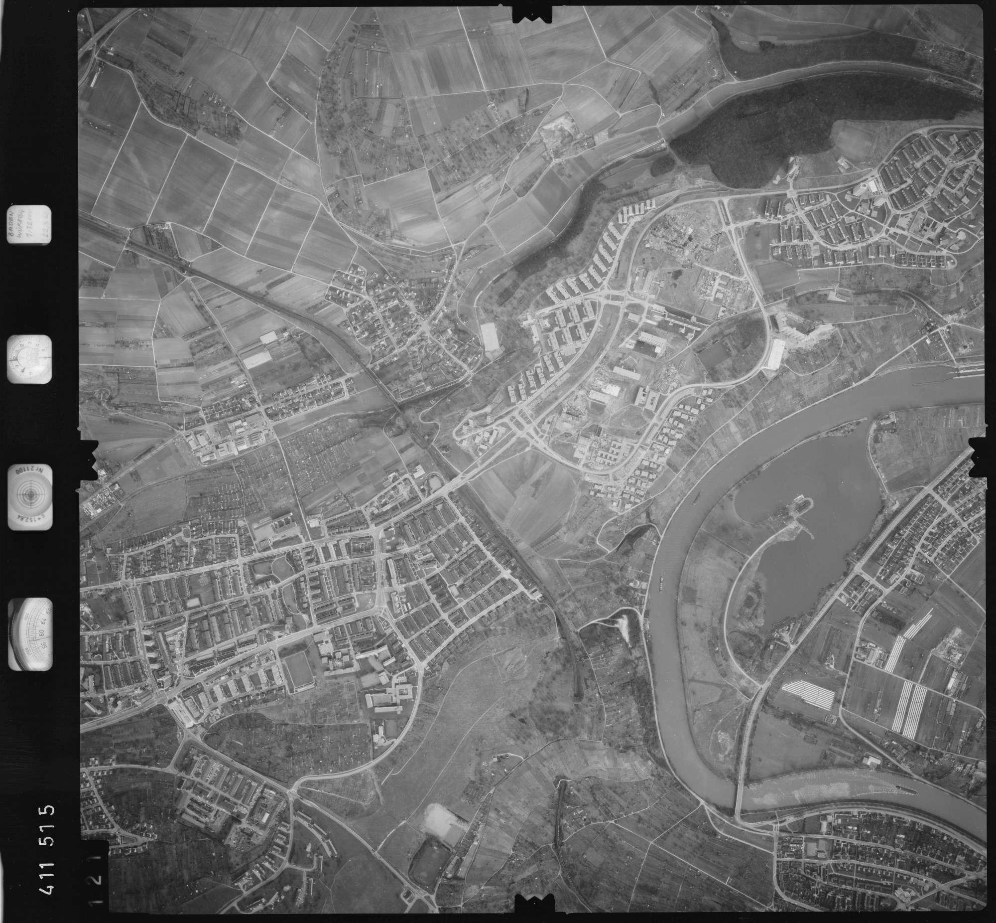 Luftbild: Film 5 Bildnr. 121, Bild 1