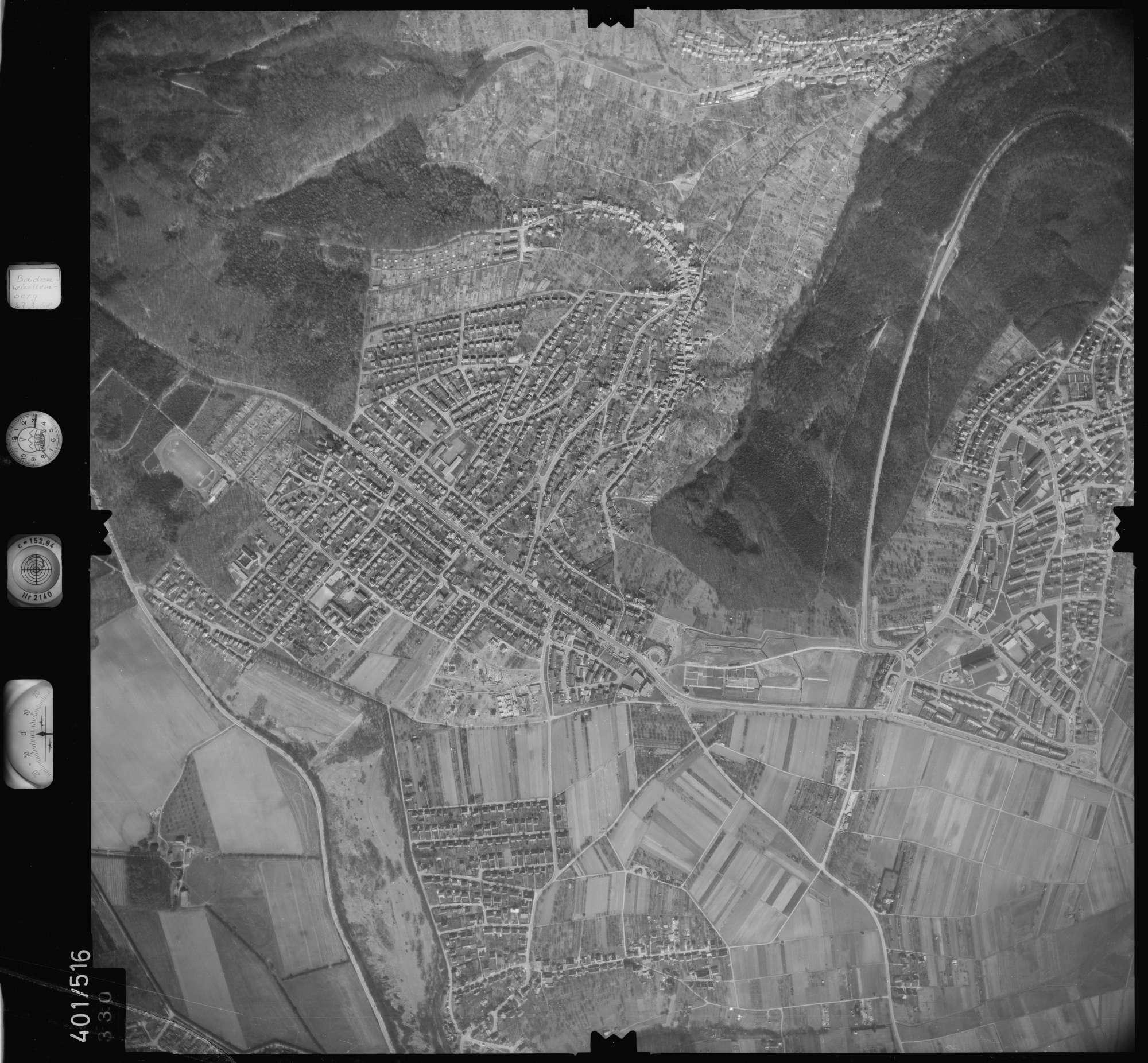 Luftbild: Film 10 Bildnr. 330, Bild 1