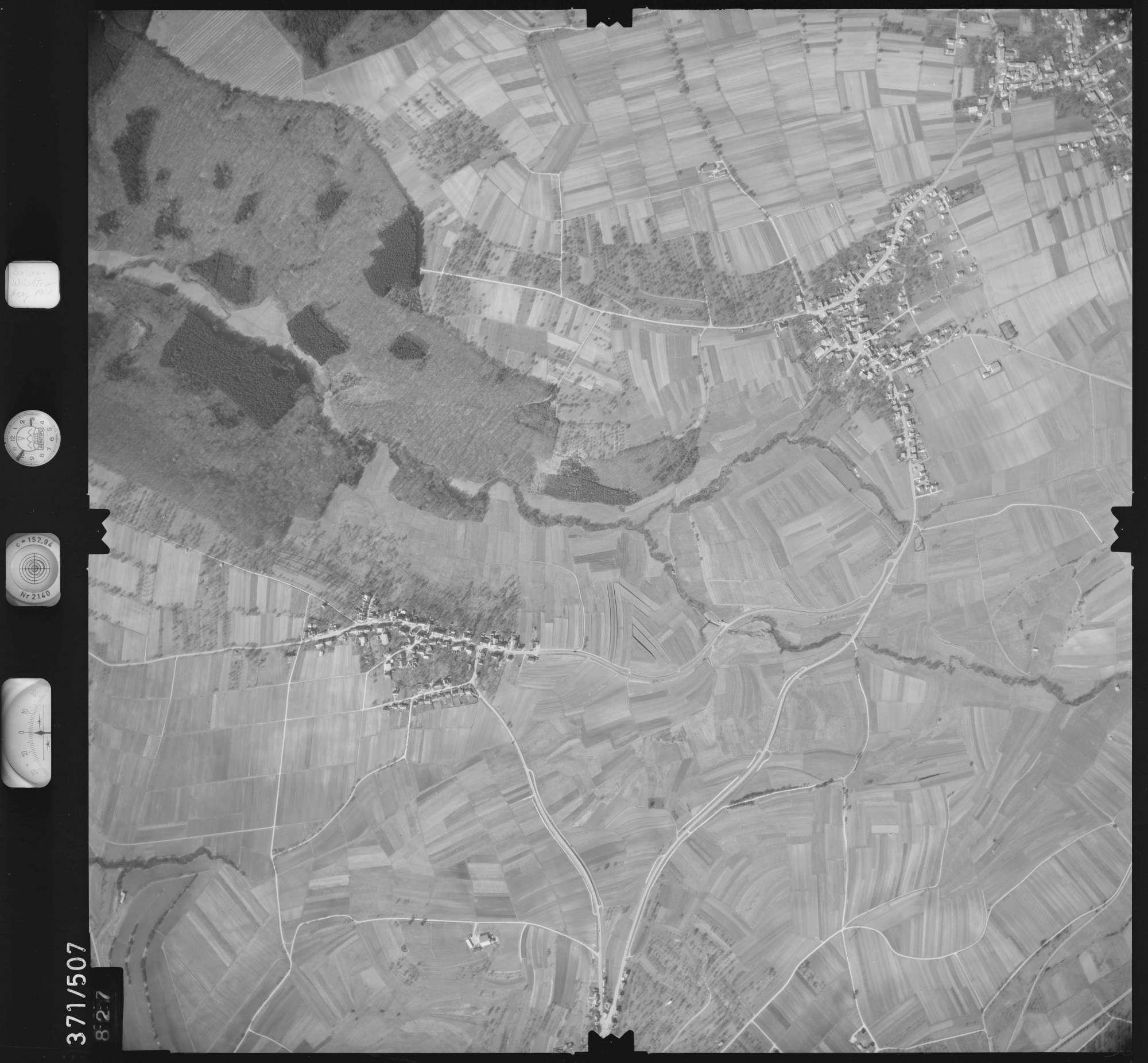 Luftbild: Film 33 Bildnr. 827, Bild 1