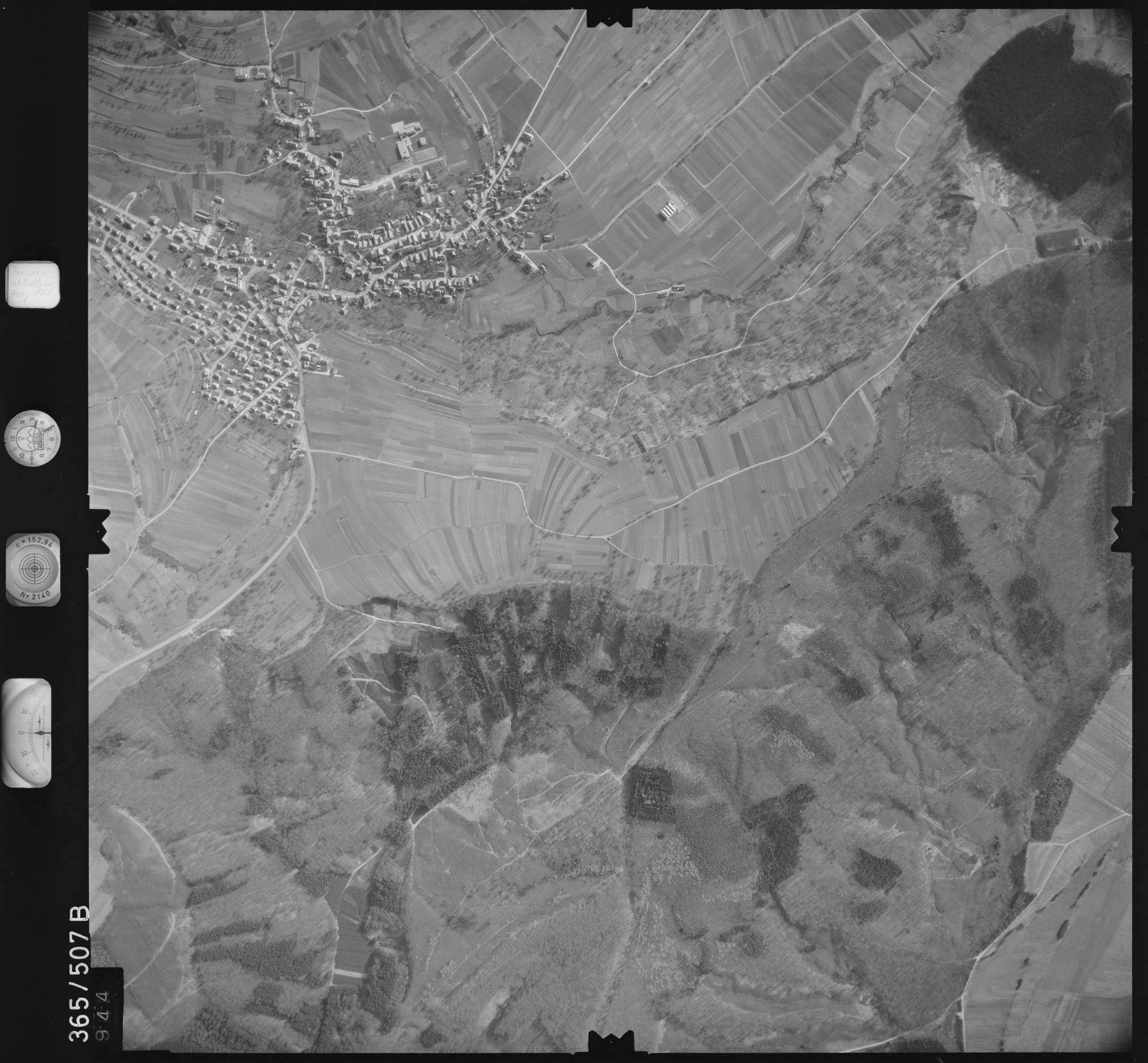 Luftbild: Film 33 Bildnr. 944, Bild 1