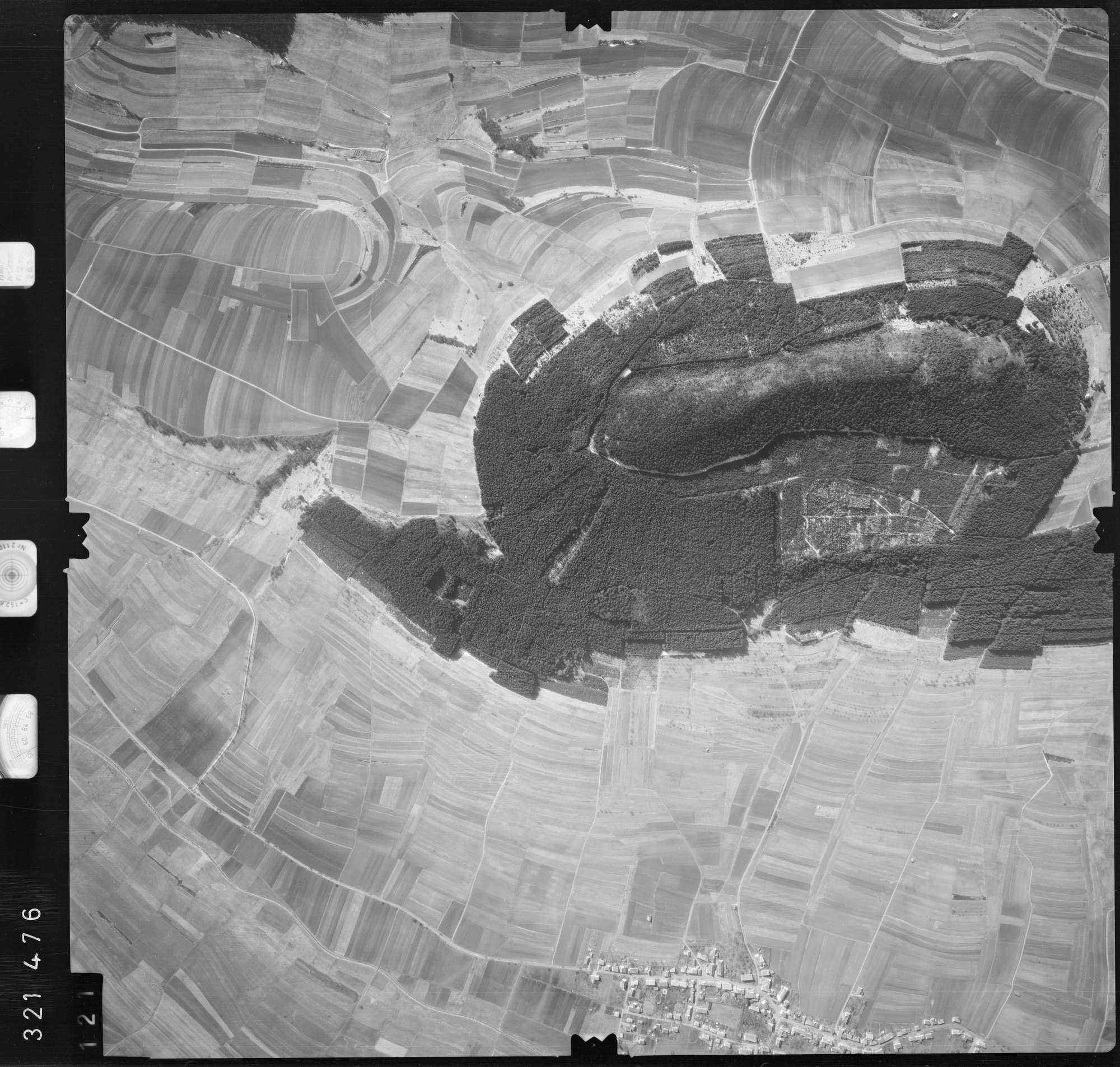 Luftbild: Film 53 Bildnr. 121, Bild 1