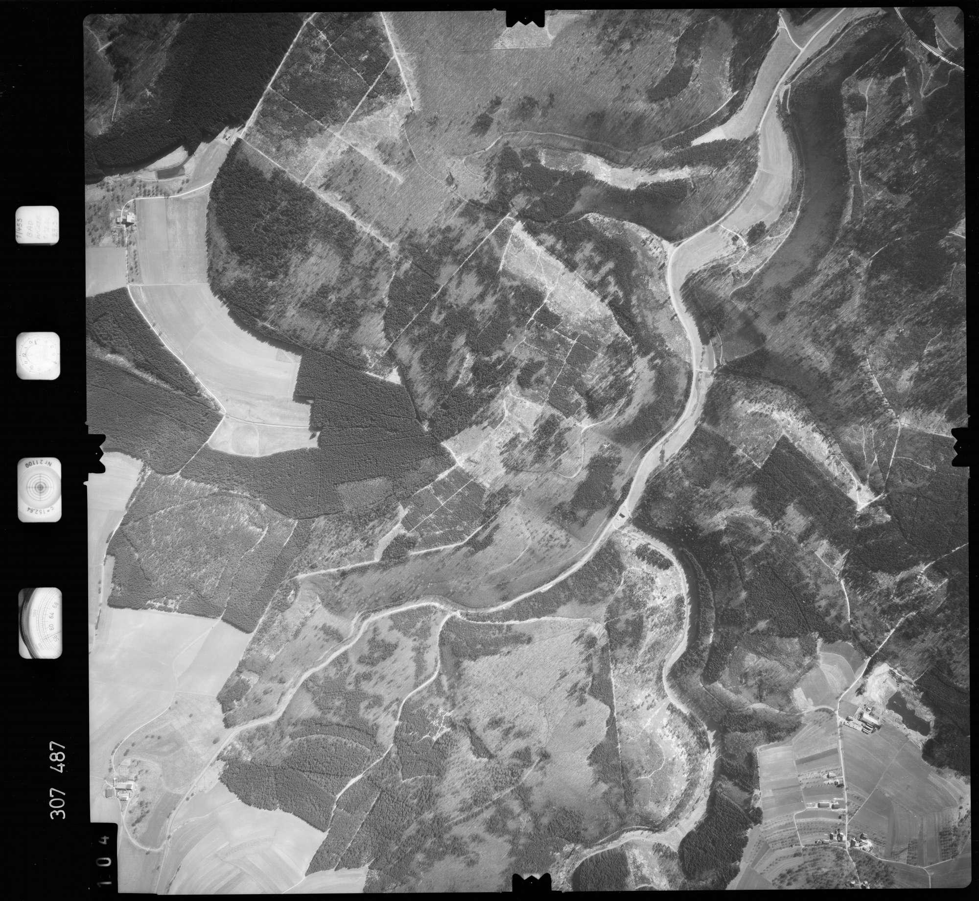Luftbild: Film 61 Bildnr. 104, Bild 1