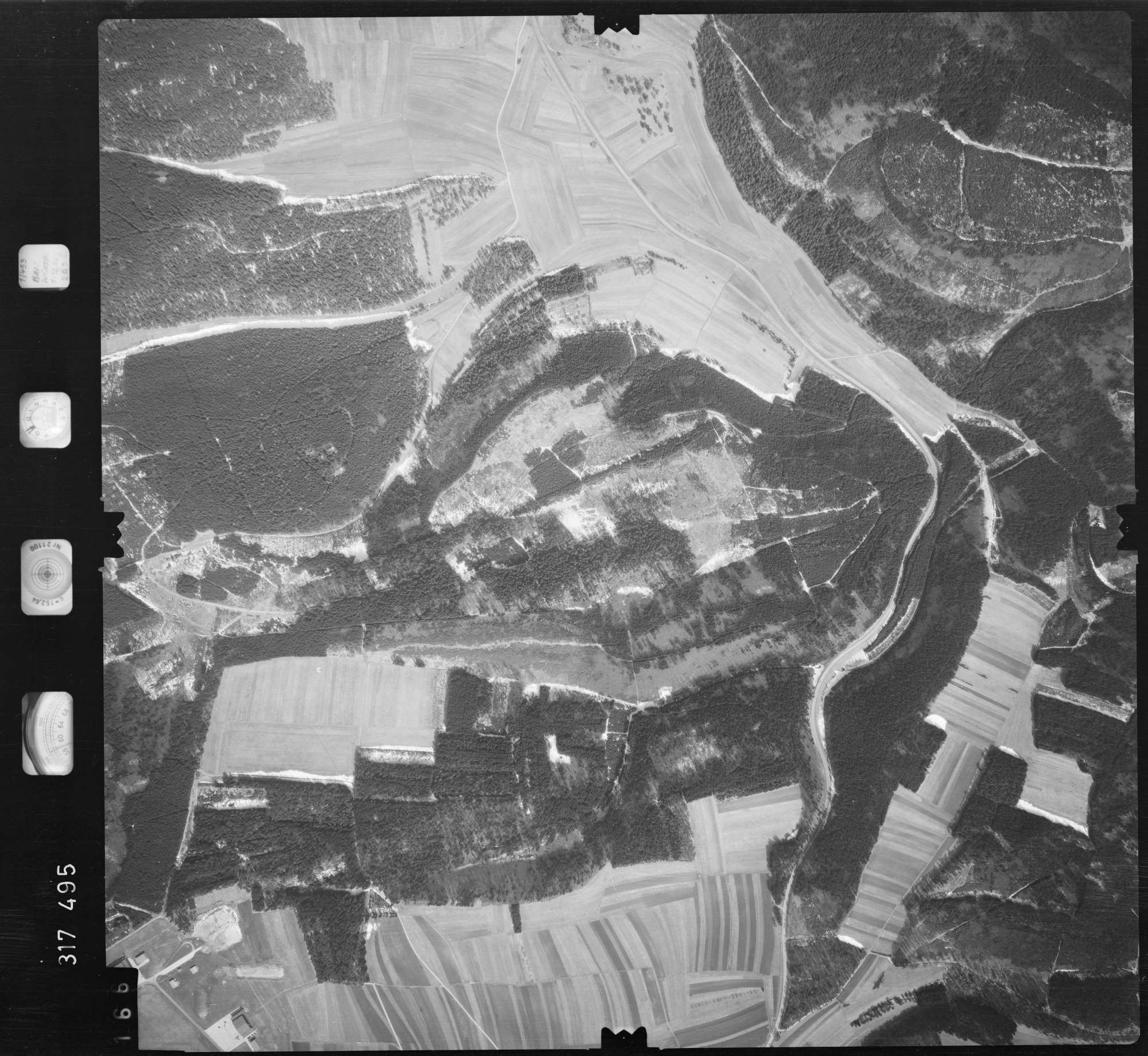 Luftbild: Film 57 Bildnr. 166, Bild 1