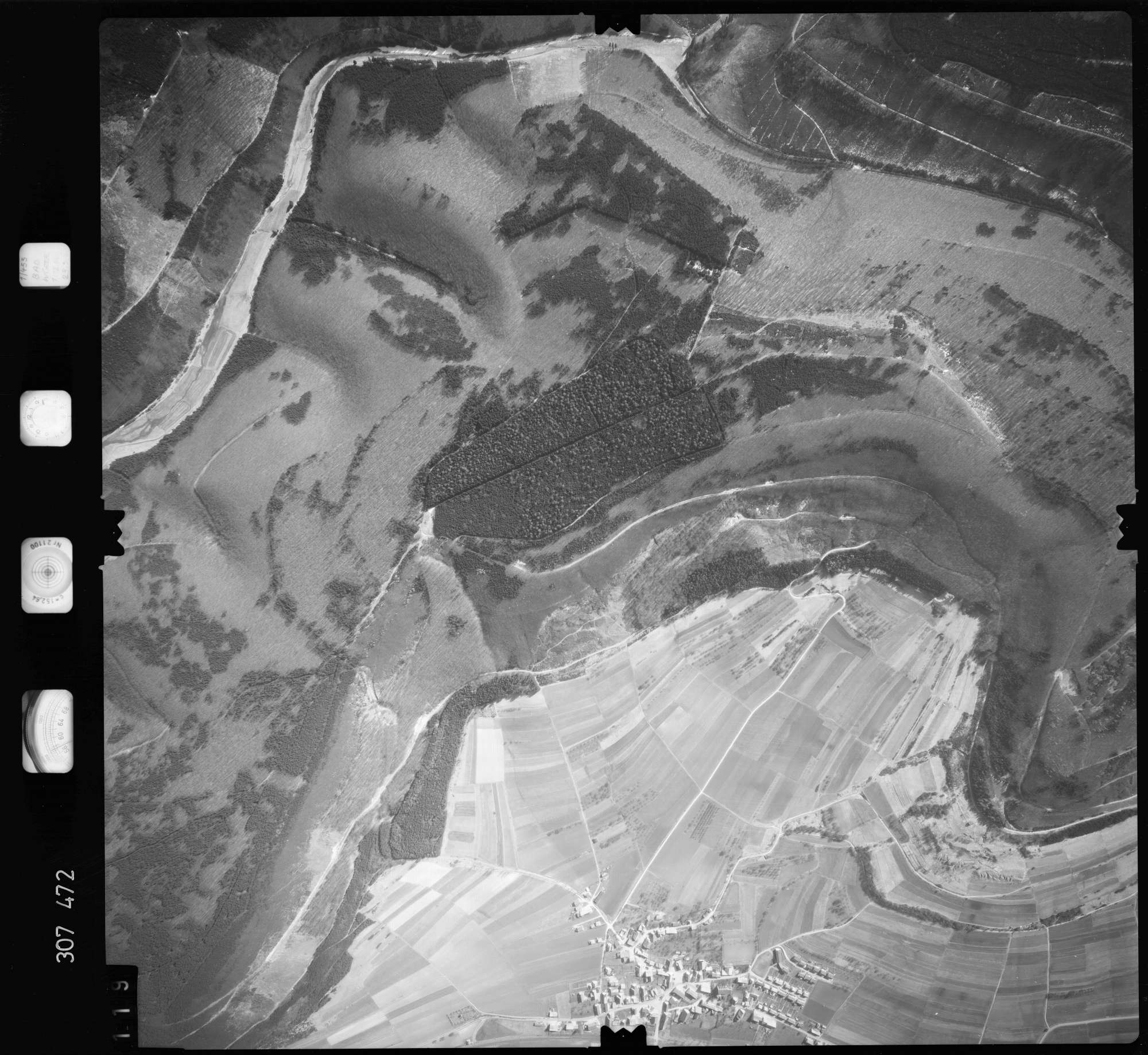 Luftbild: Film 61 Bildnr. 119, Bild 1