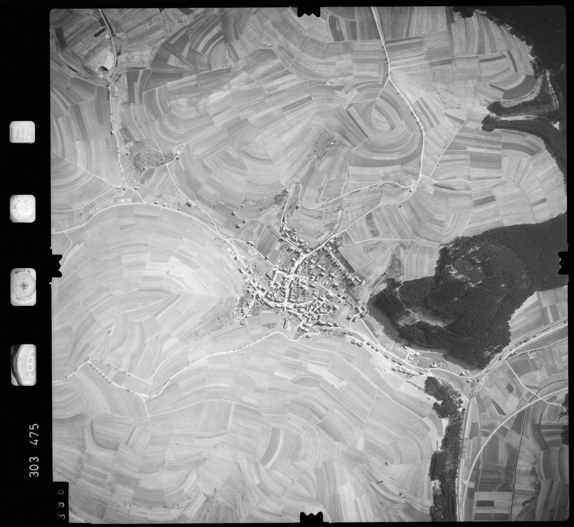 Luftbild: Film 64 Bildnr. 398, Bild 1