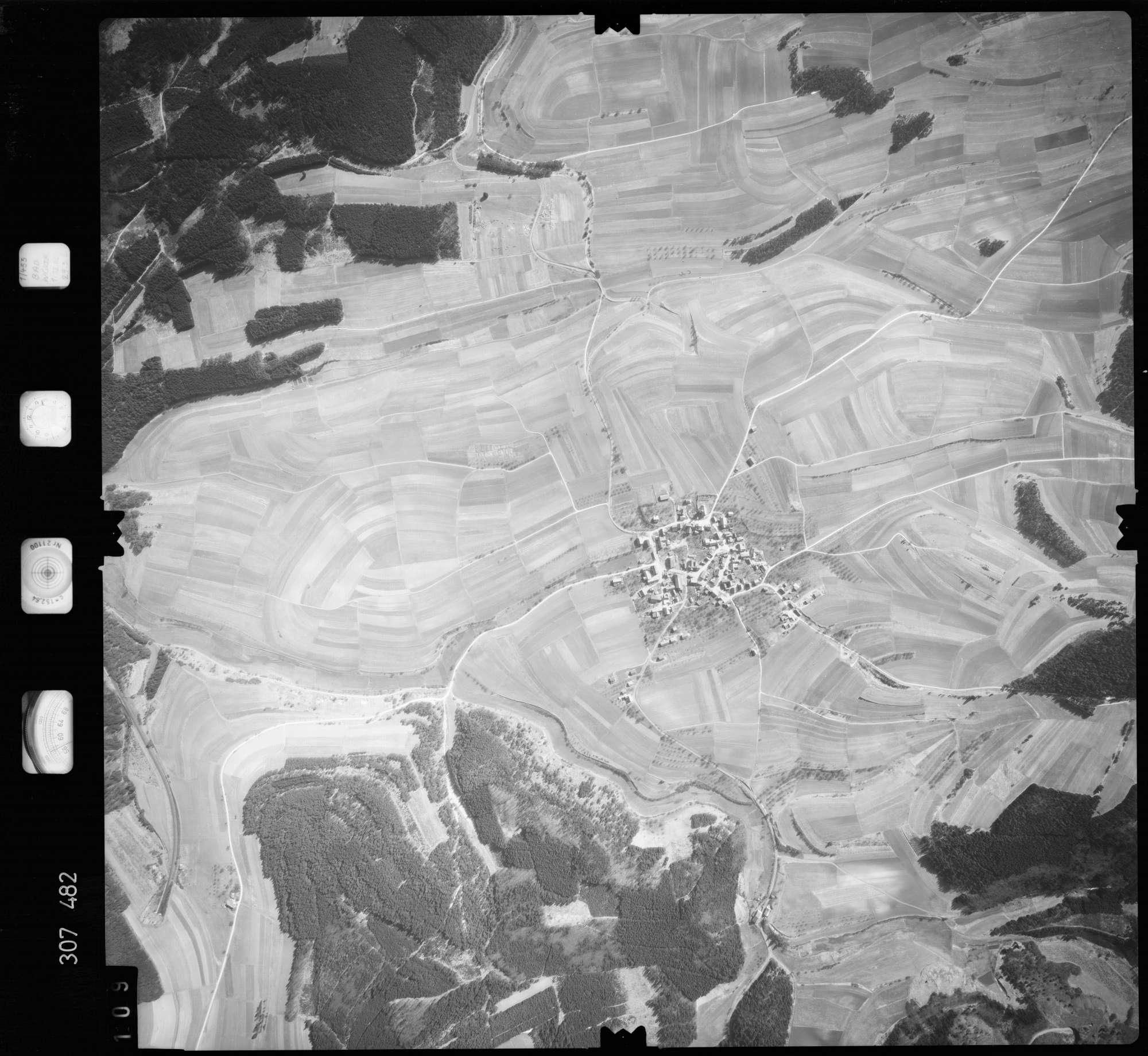 Luftbild: Film 61 Bildnr. 109, Bild 1