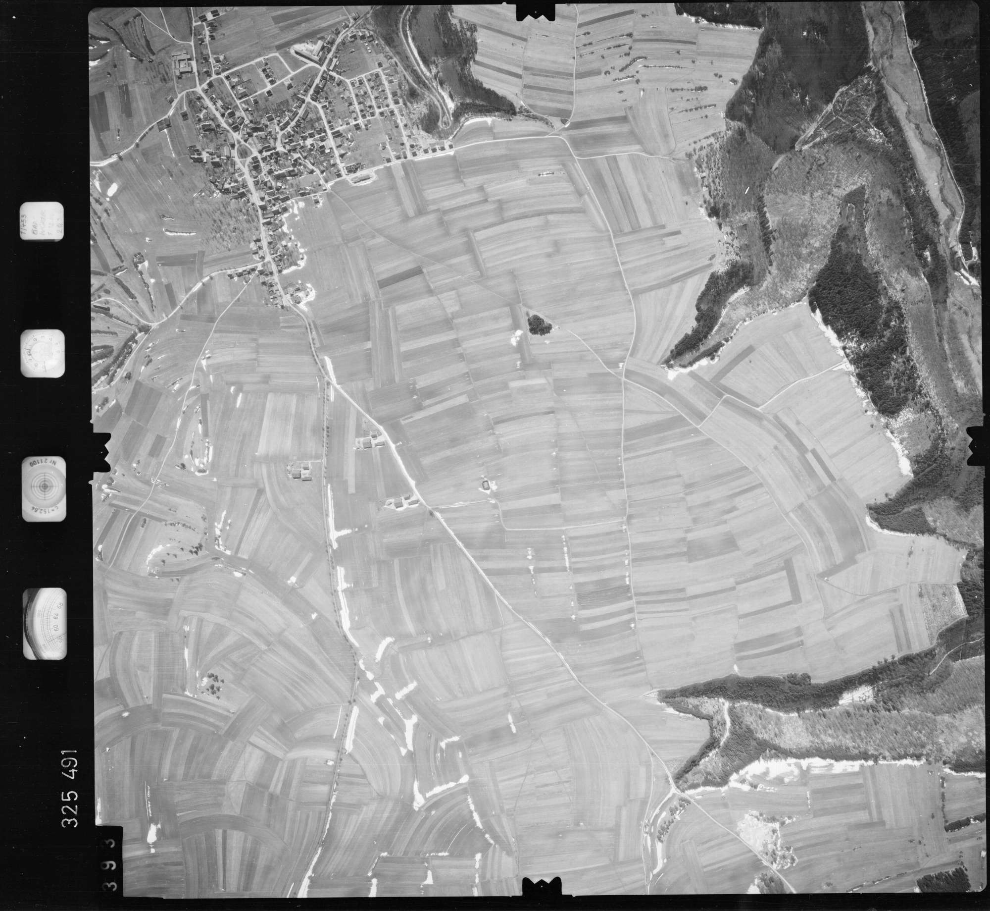 Luftbild: Film 52 Bildnr. 393, Bild 1