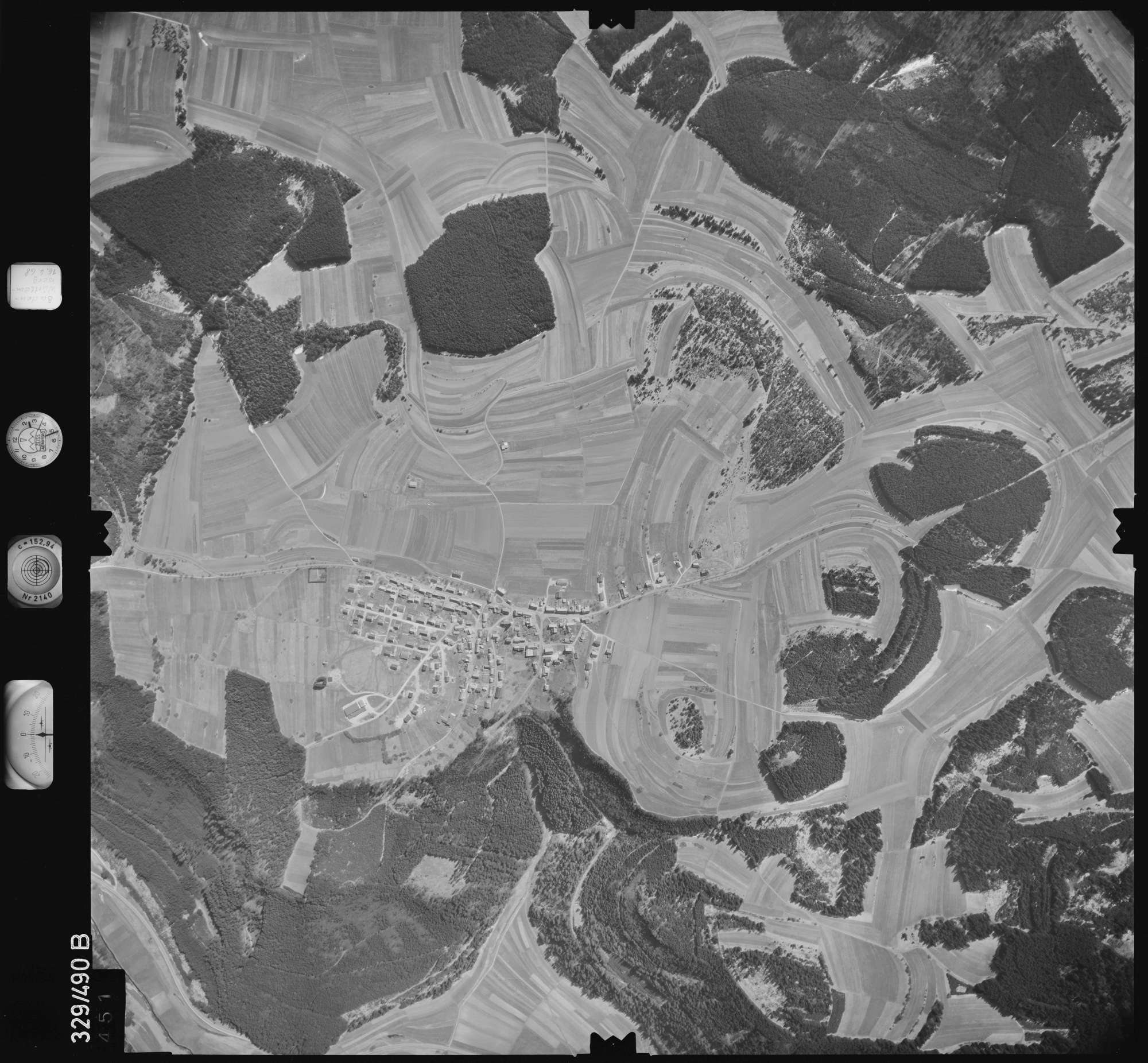 Luftbild: Film 89 Bildnr. 451, Bild 1