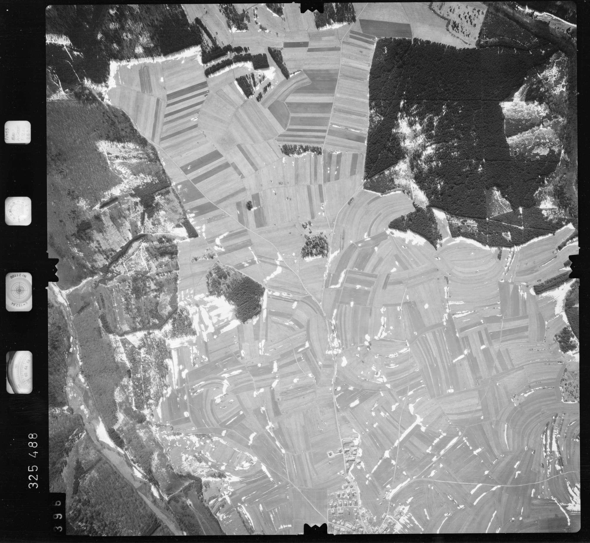 Luftbild: Film 52 Bildnr. 396, Bild 1