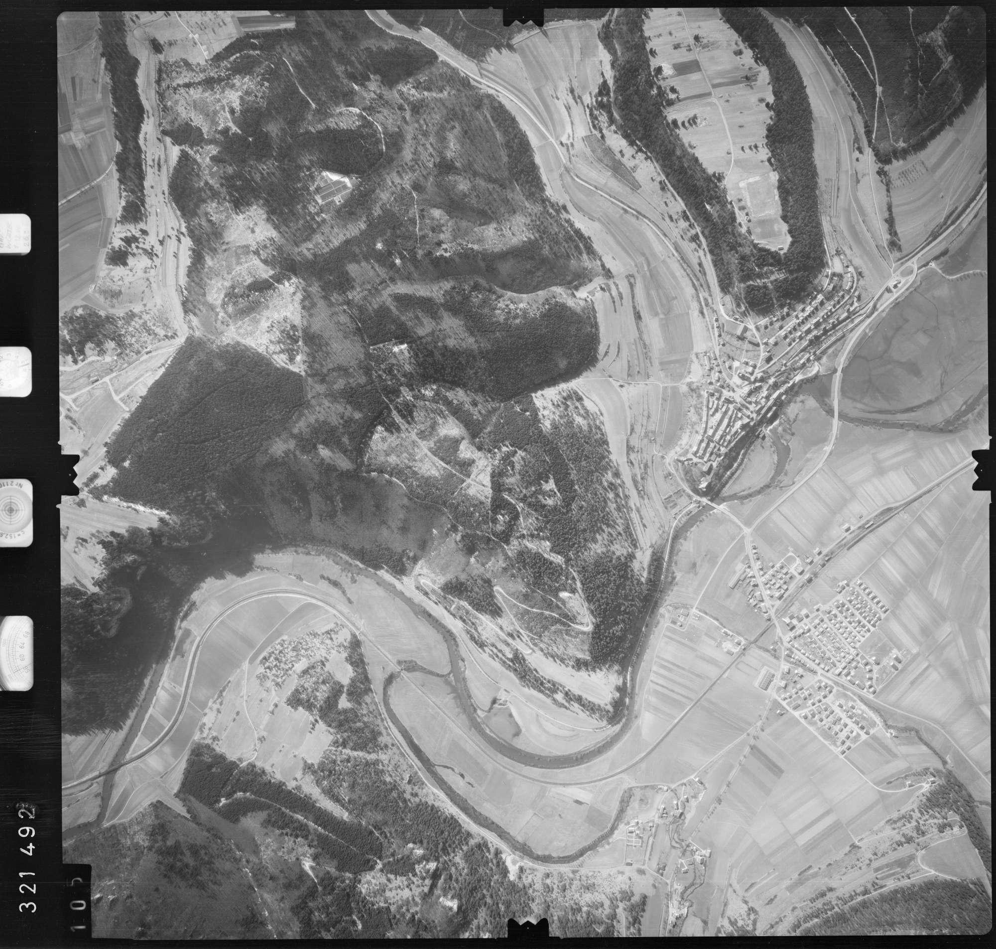 Luftbild: Film 53 Bildnr. 105, Bild 1