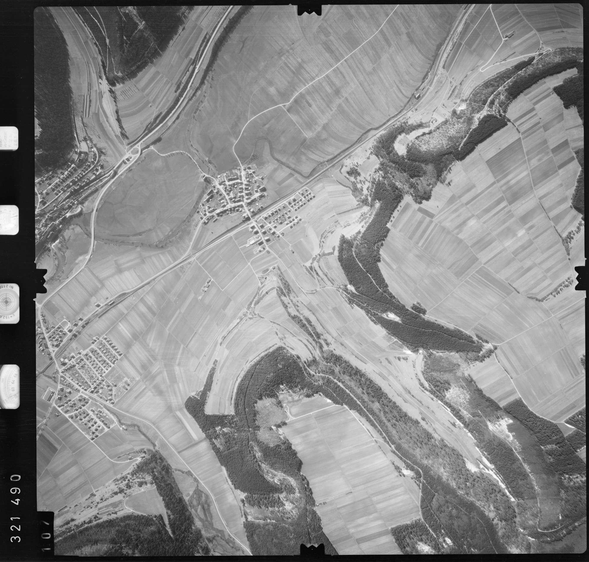 Luftbild: Film 53 Bildnr. 107, Bild 1