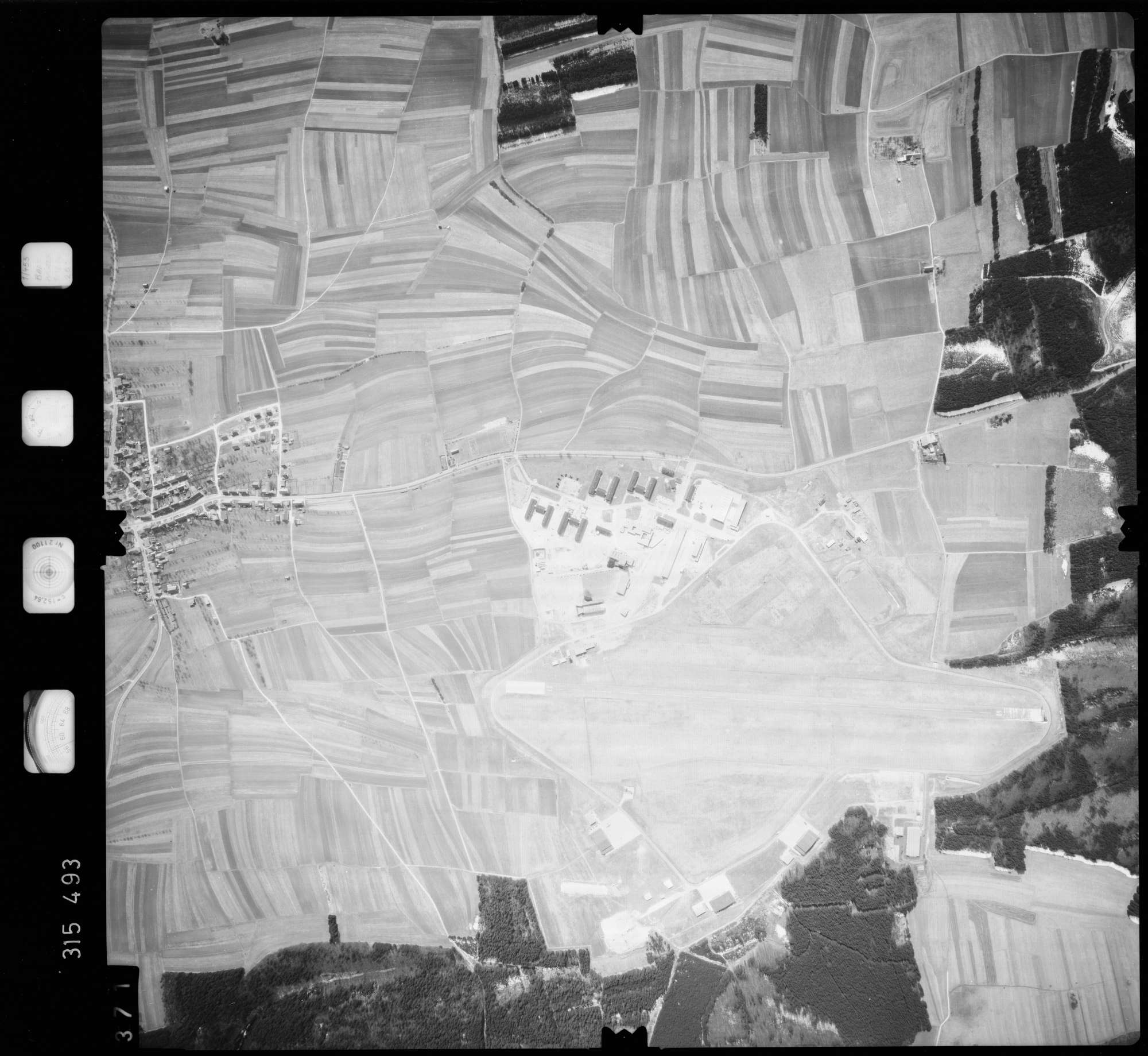 Luftbild: Film 58 Bildnr. 371, Bild 1