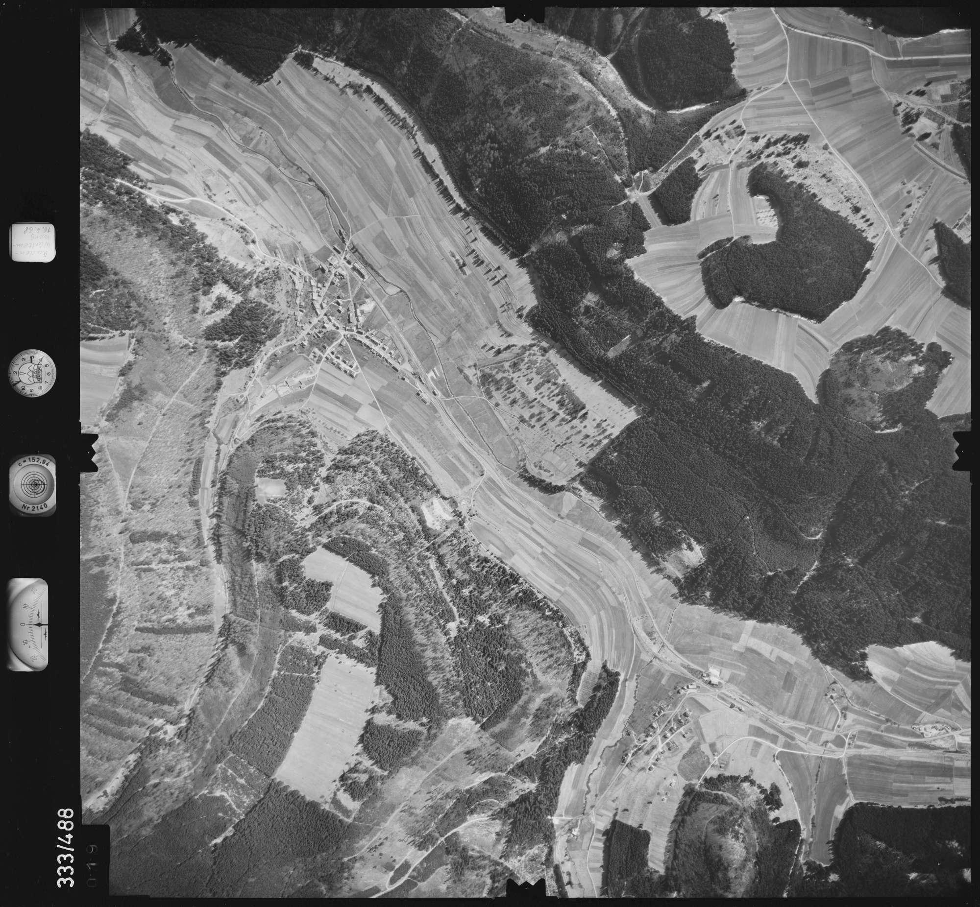 Luftbild: Film 49 Bildnr. 19, Bild 1