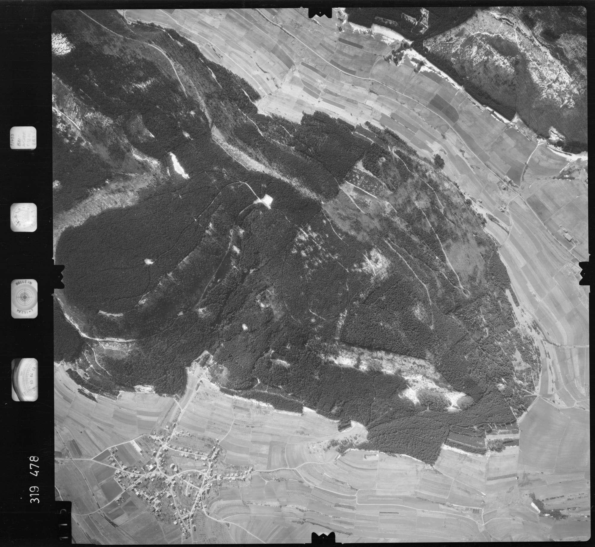 Luftbild: Film 57 Bildnr. 115, Bild 1