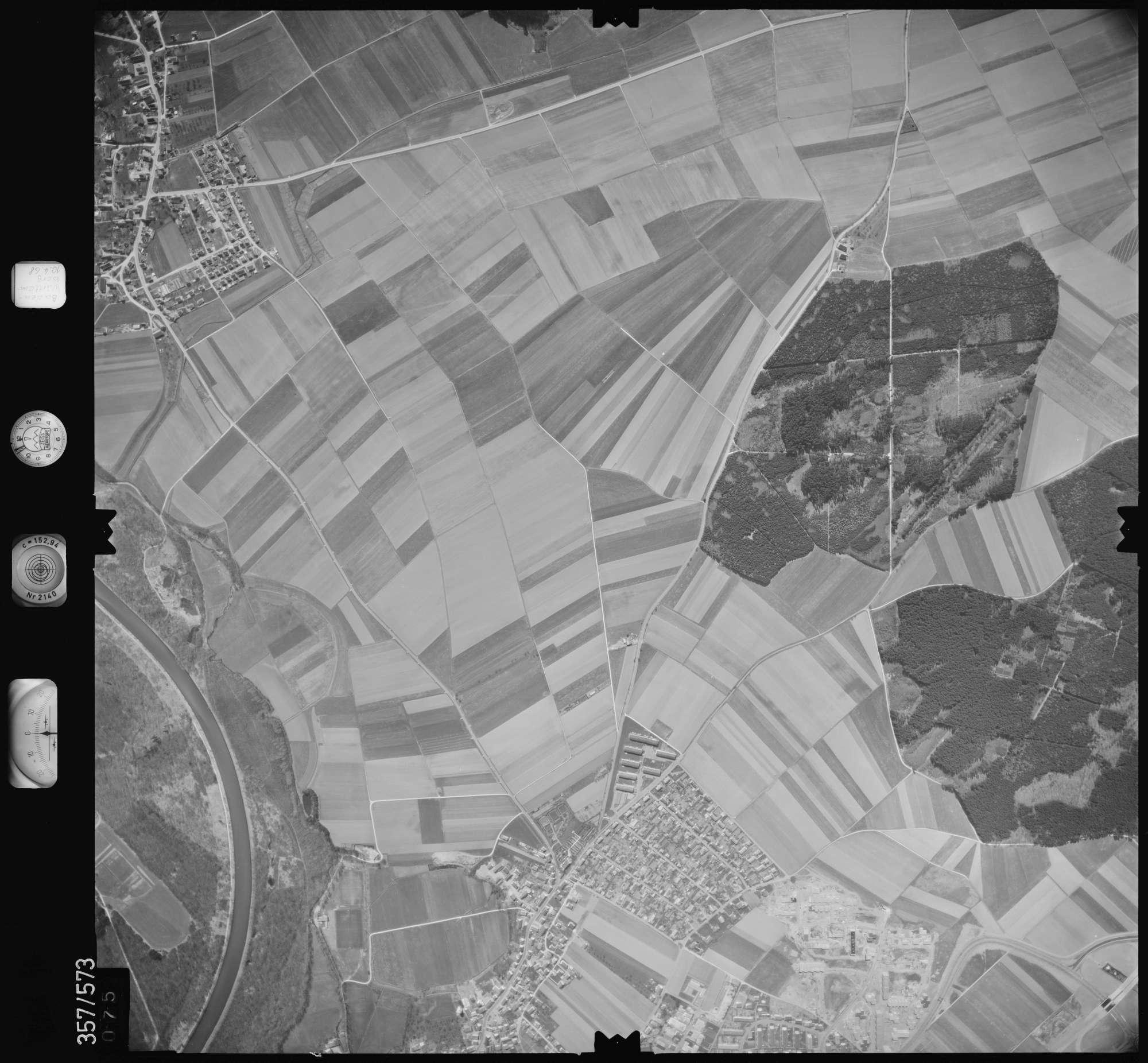 Luftbild: Film 38 Bildnr. 75, Bild 1