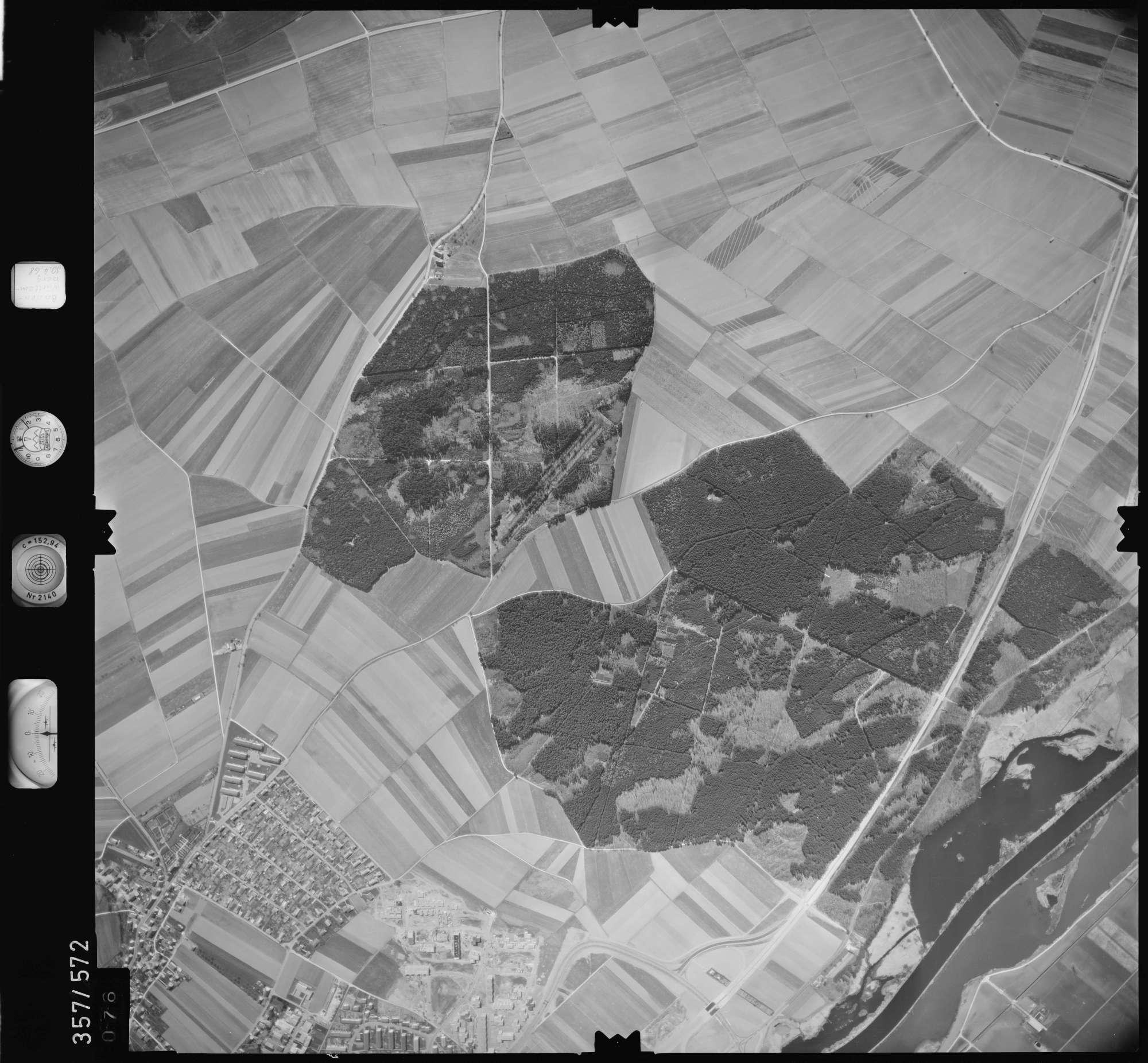 Luftbild: Film 38 Bildnr. 76, Bild 1