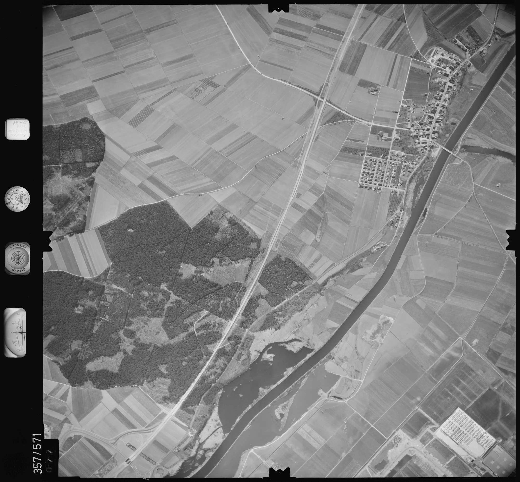 Luftbild: Film 38 Bildnr. 77, Bild 1