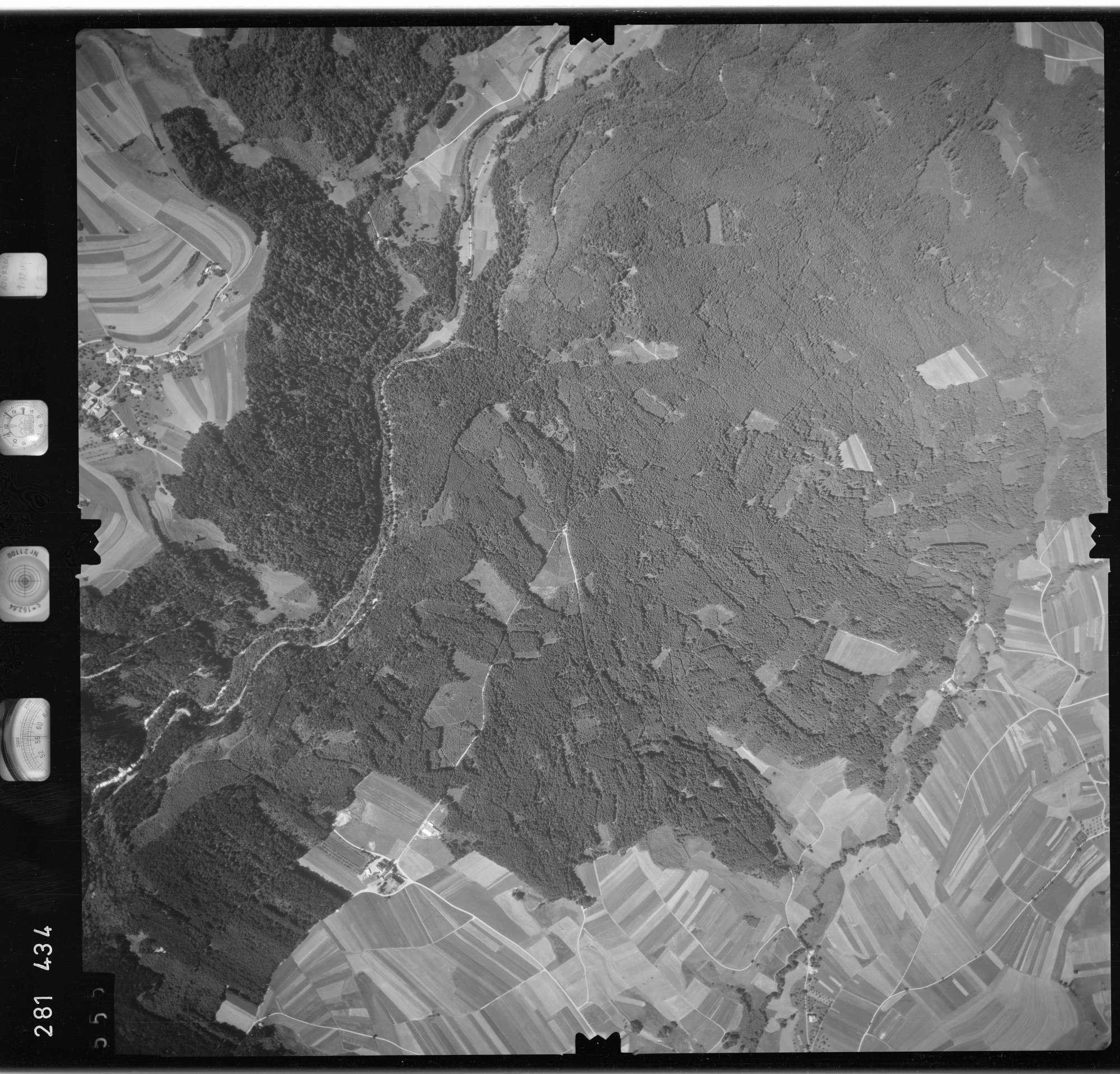 Luftbild: Film 72 Bildnr. 555, Bild 1