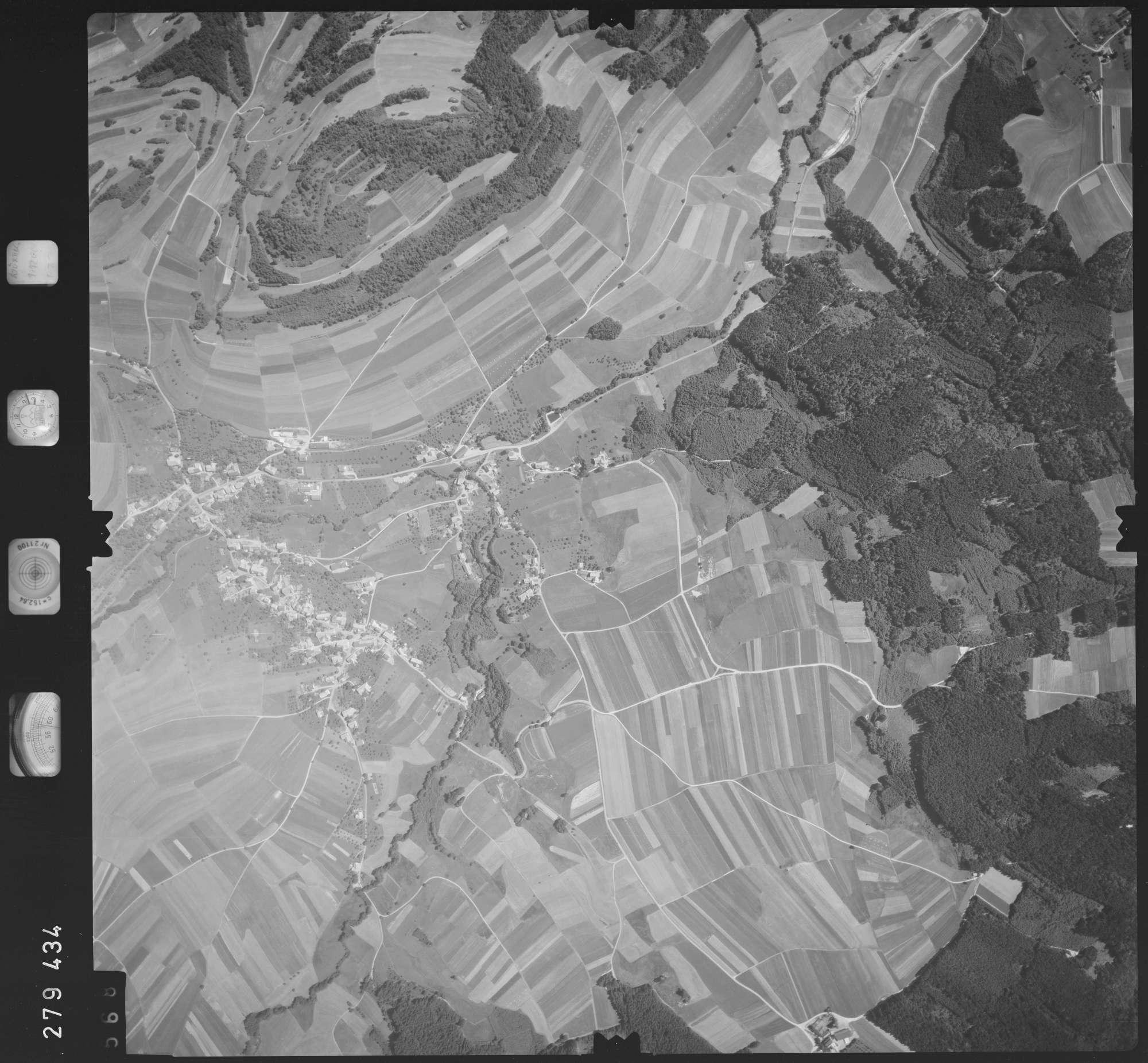 Luftbild: Film 72 Bildnr. 568, Bild 1