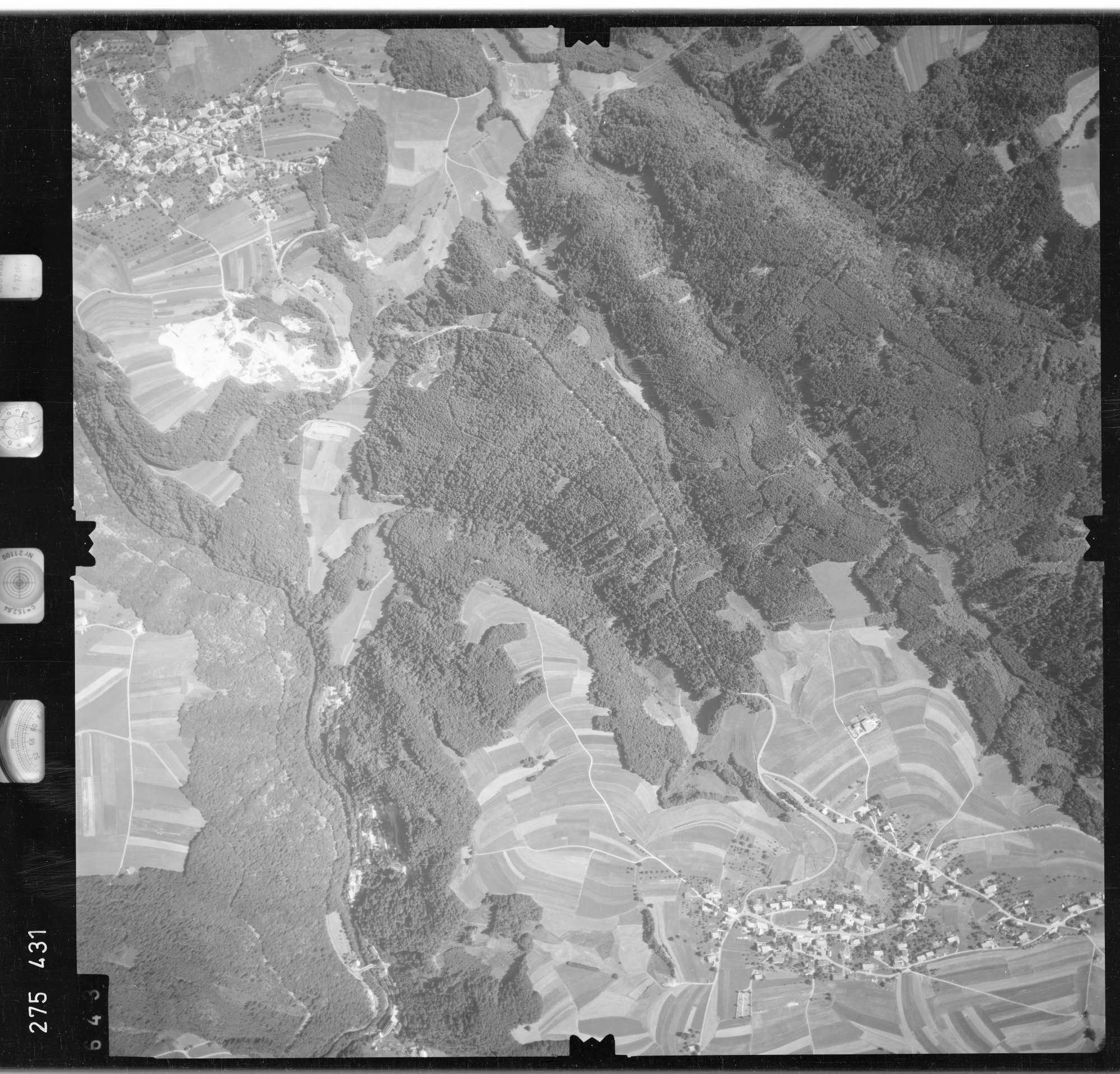 Luftbild: Film 77 Bildnr. 643, Bild 1