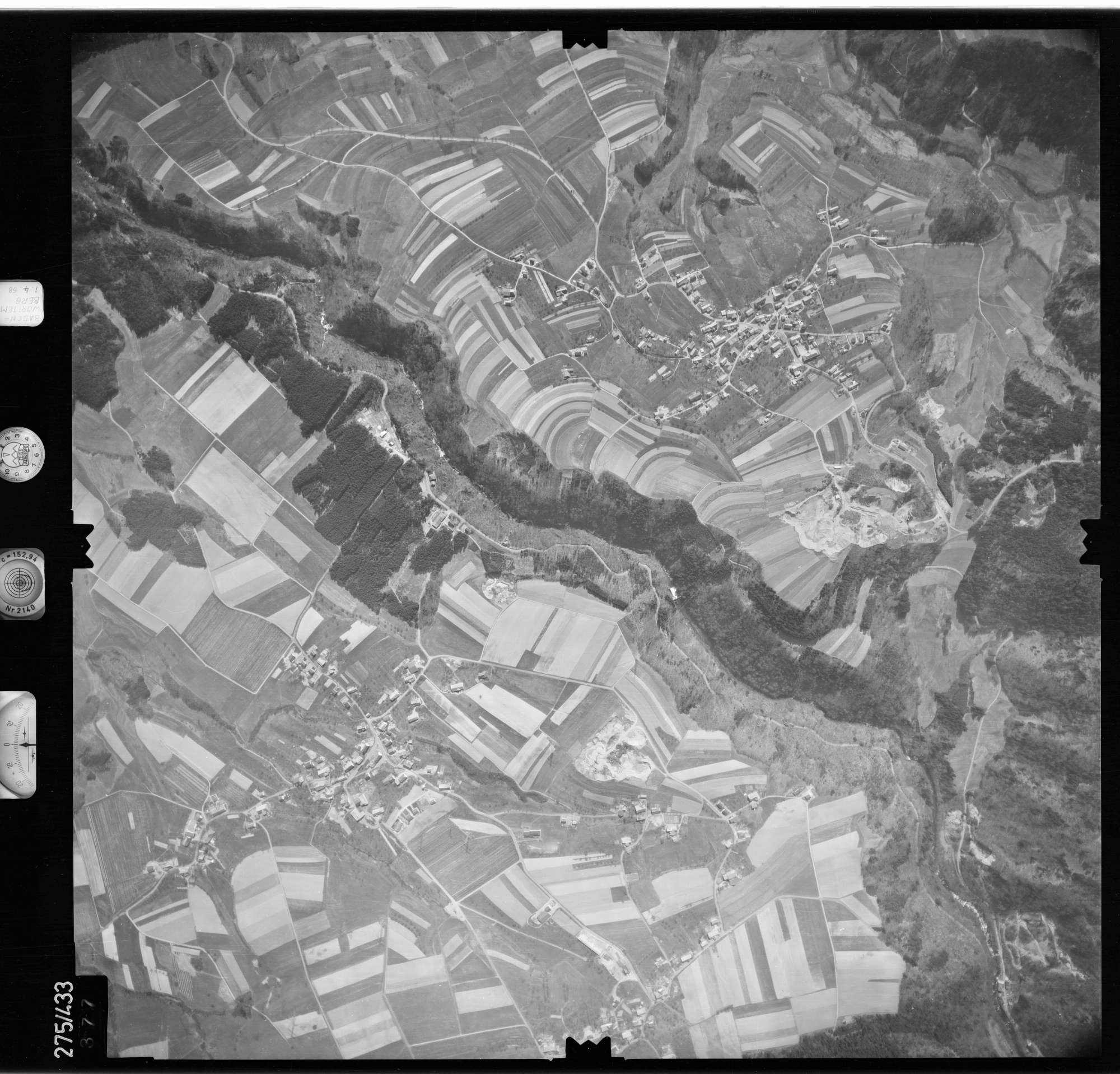 Luftbild: Film 81 Bildnr. 377, Bild 1