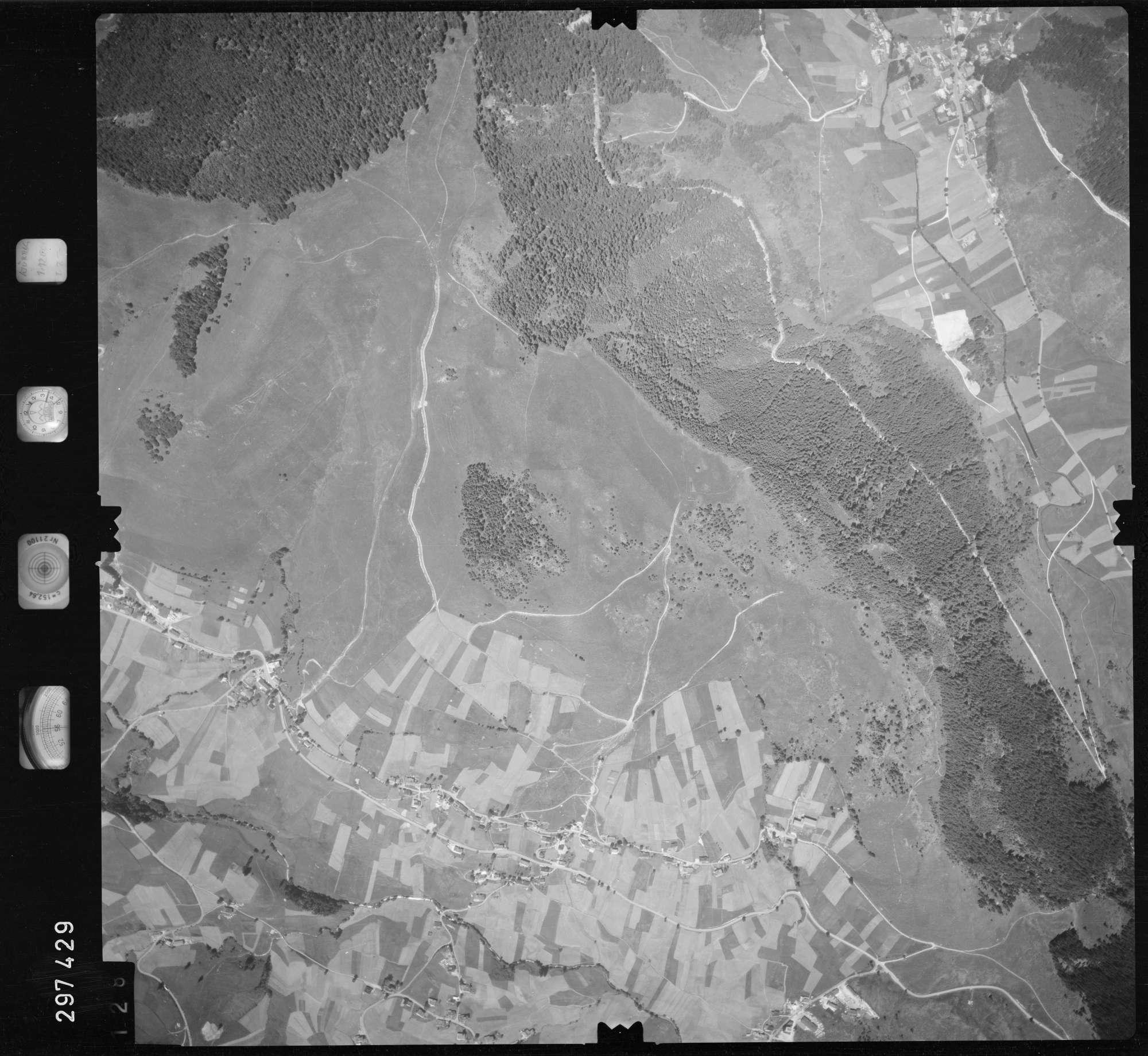 Luftbild: Film 68 Bildnr. 128, Bild 1