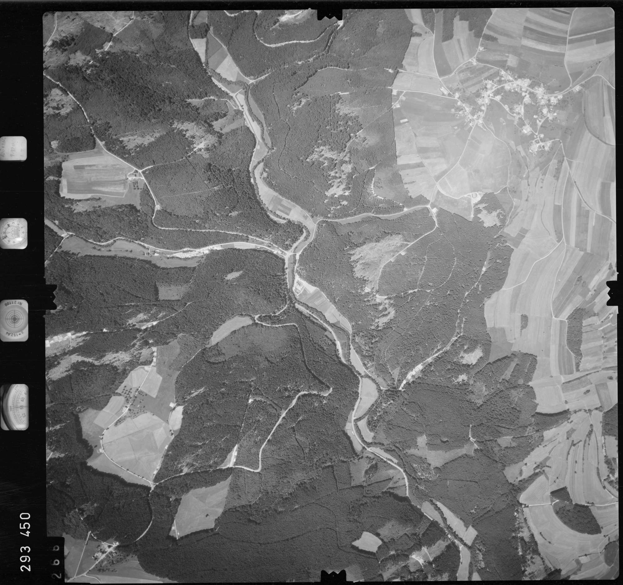 Luftbild: Film 68 Bildnr. 266, Bild 1