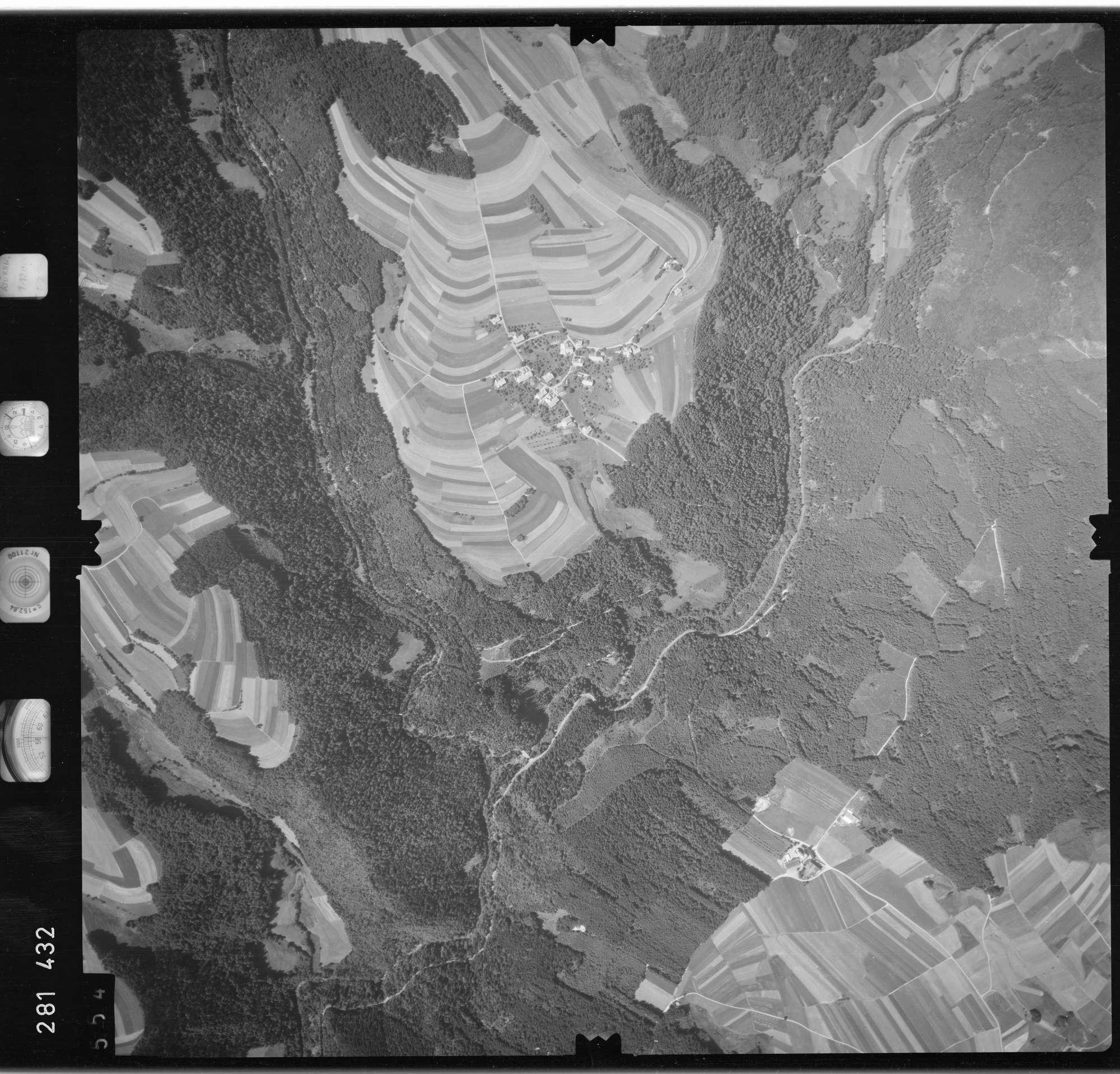 Luftbild: Film 72 Bildnr. 554, Bild 1