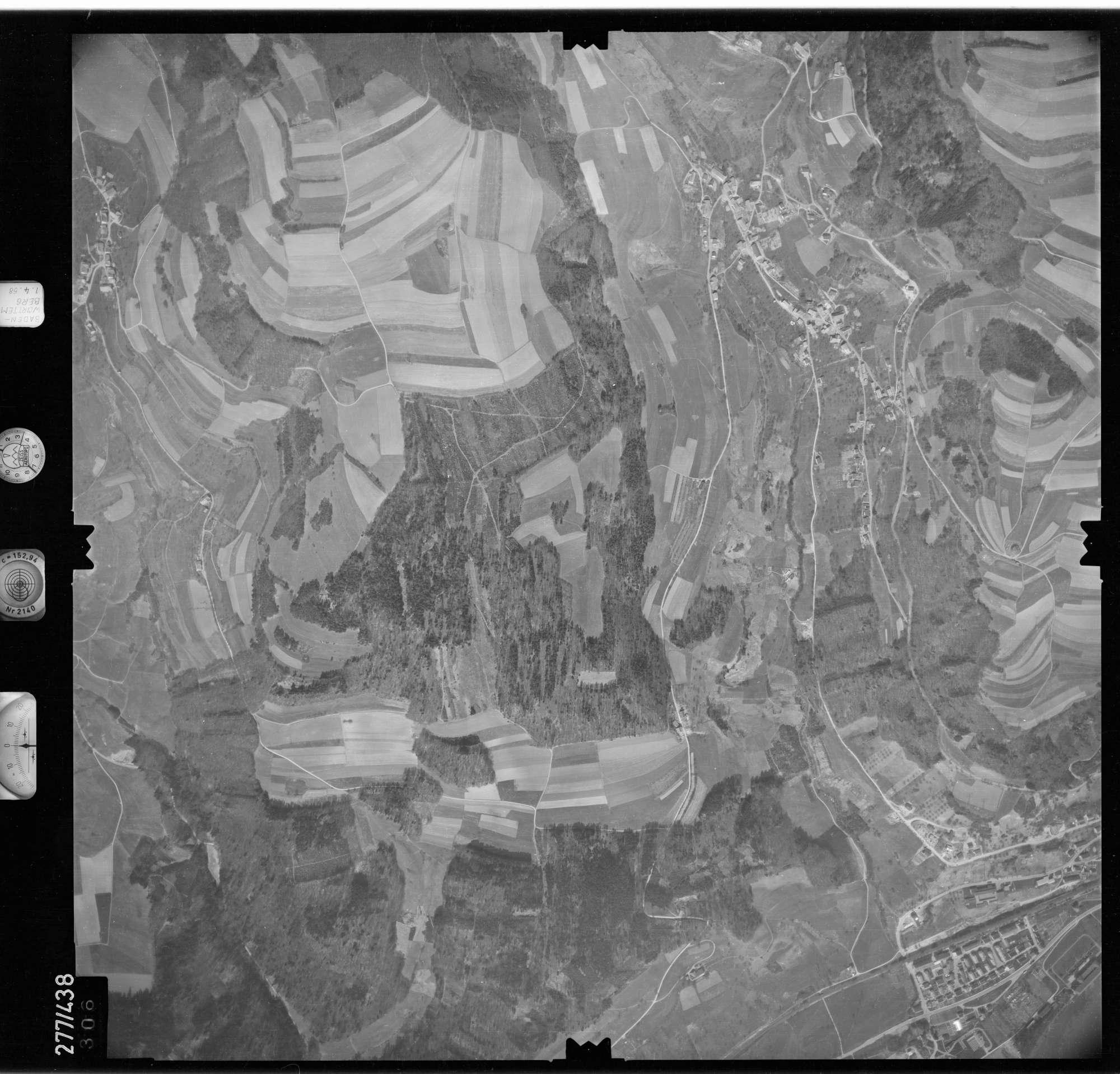Luftbild: Film 81 Bildnr. 306, Bild 1