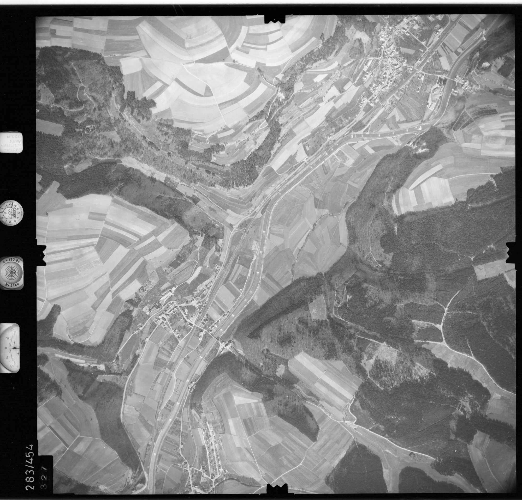 Luftbild: Film 79 Bildnr. 327, Bild 1