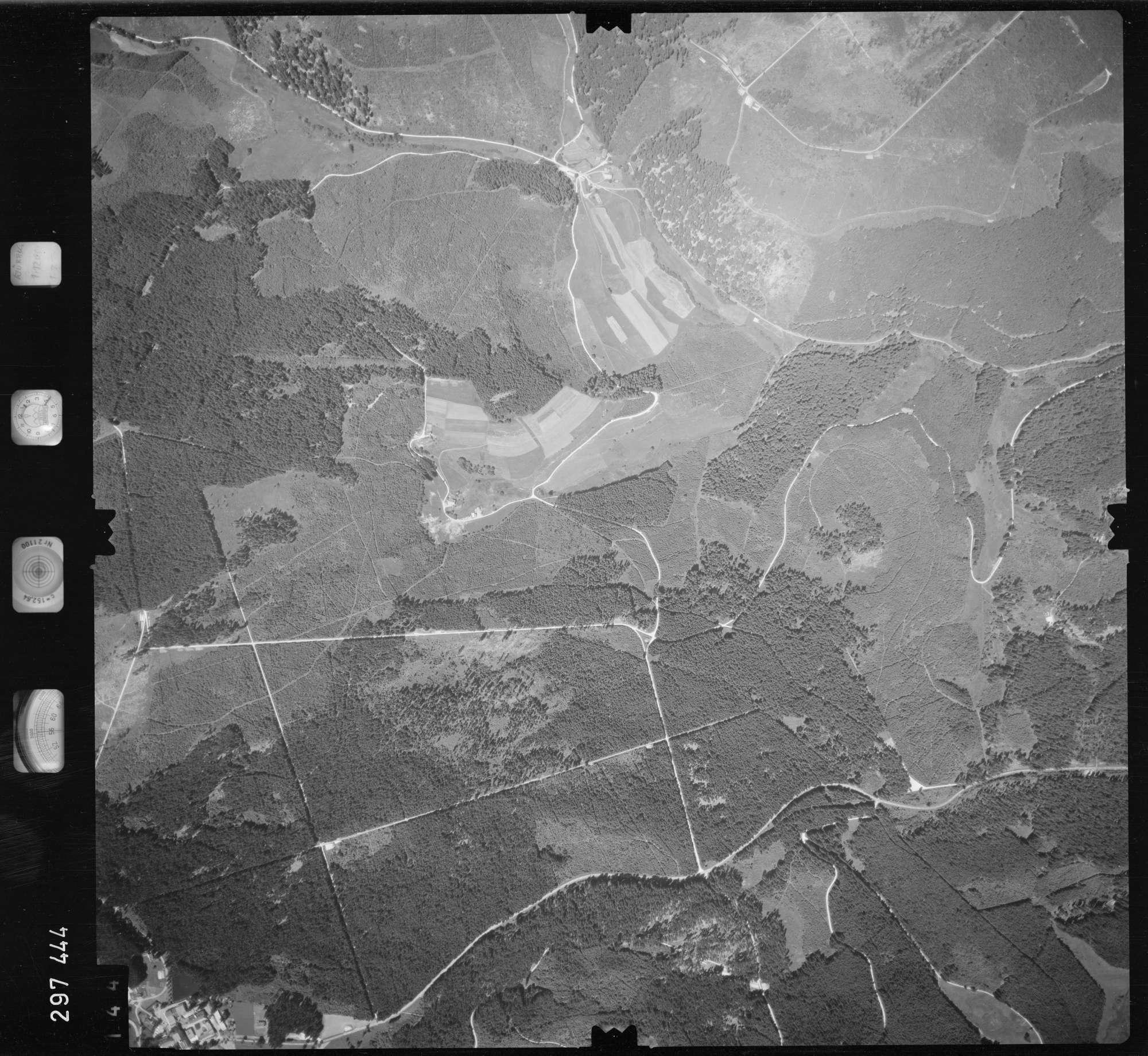Luftbild: Film 68 Bildnr. 144, Bild 1