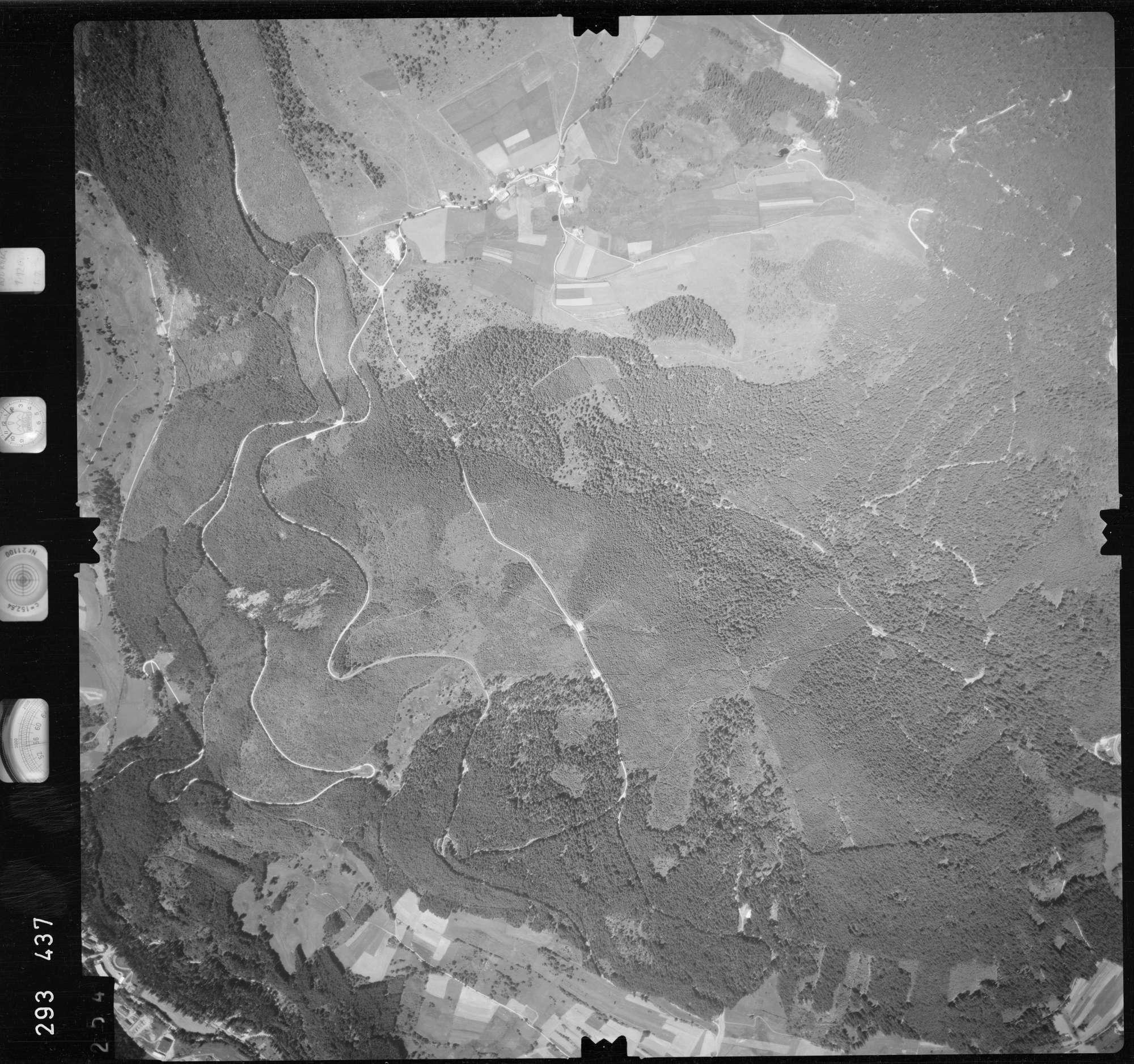 Luftbild: Film 68 Bildnr. 254, Bild 1