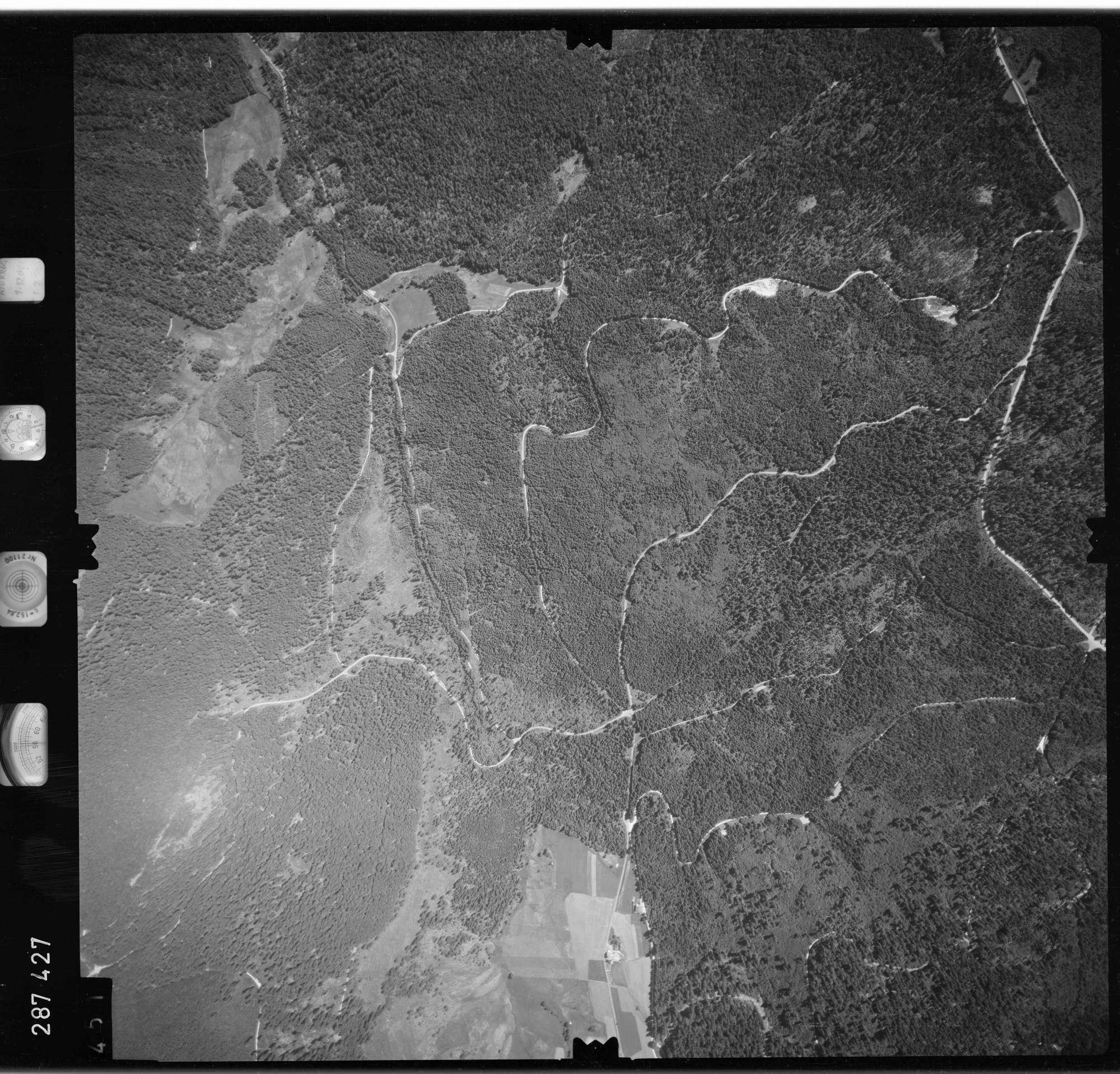 Luftbild: Film 72 Bildnr. 451, Bild 1