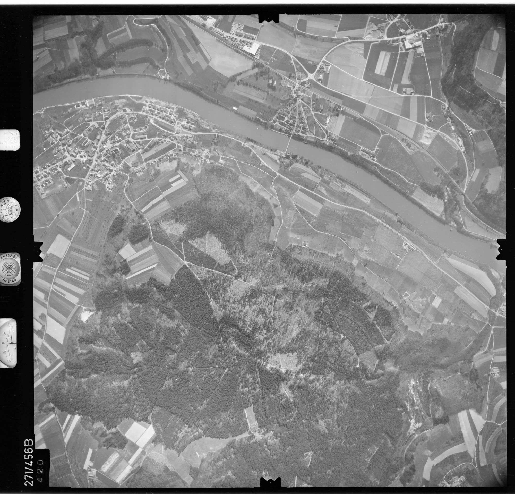 Luftbild: Film 81 Bildnr. 420, Bild 1