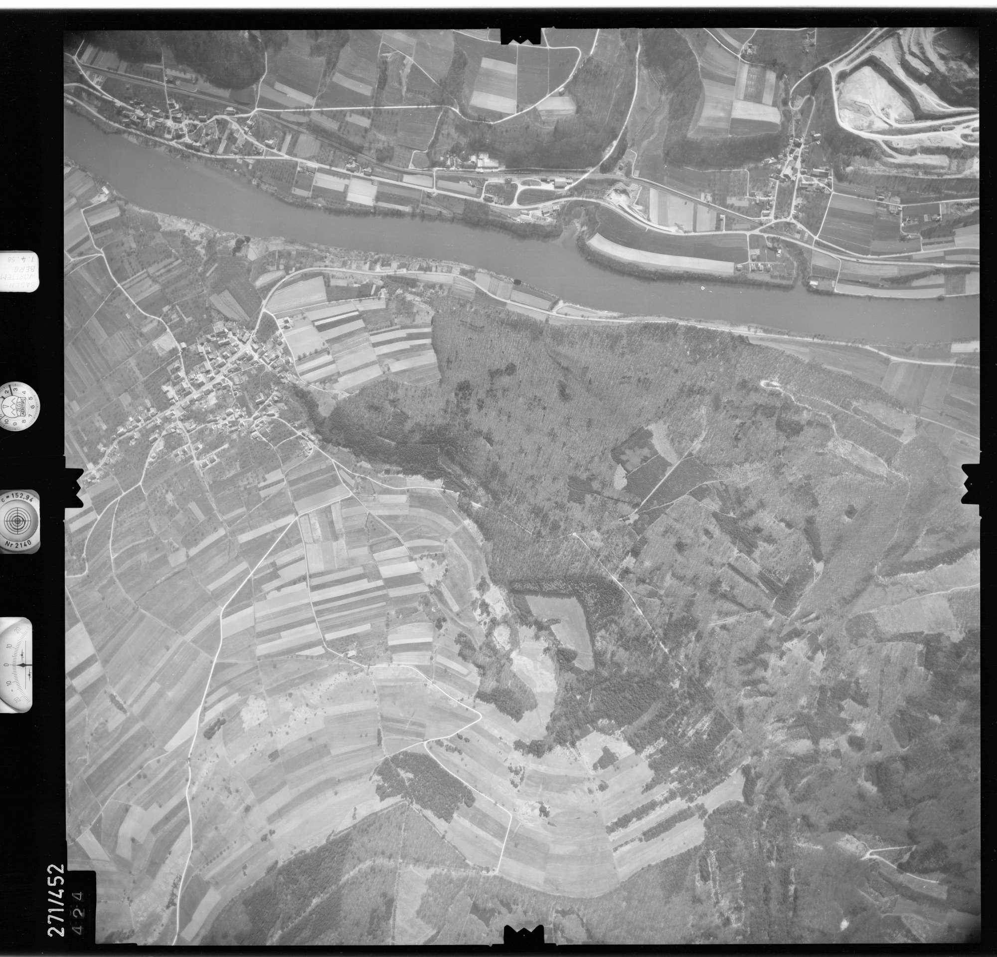 Luftbild: Film 81 Bildnr. 424, Bild 1