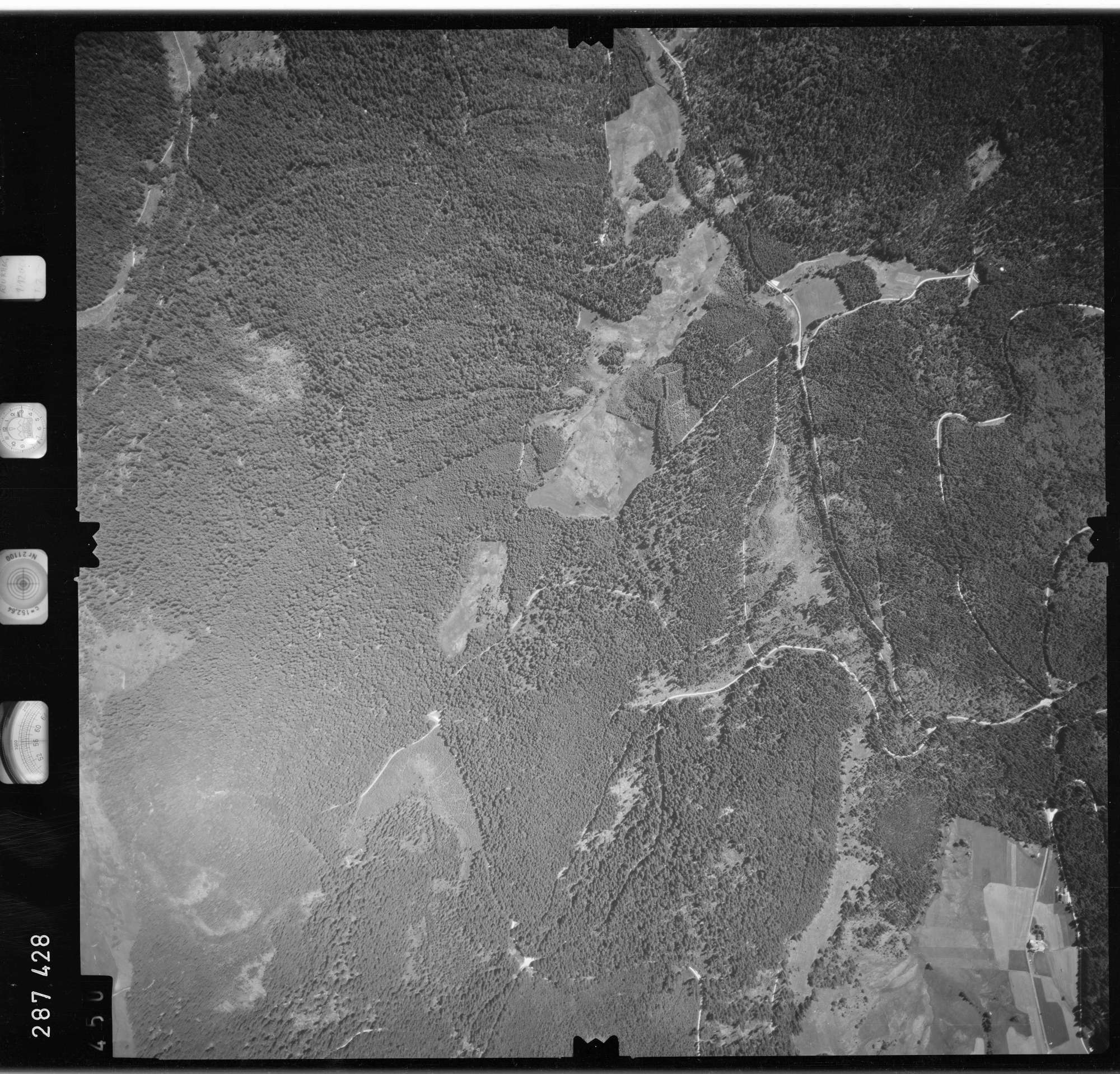 Luftbild: Film 72 Bildnr. 450, Bild 1