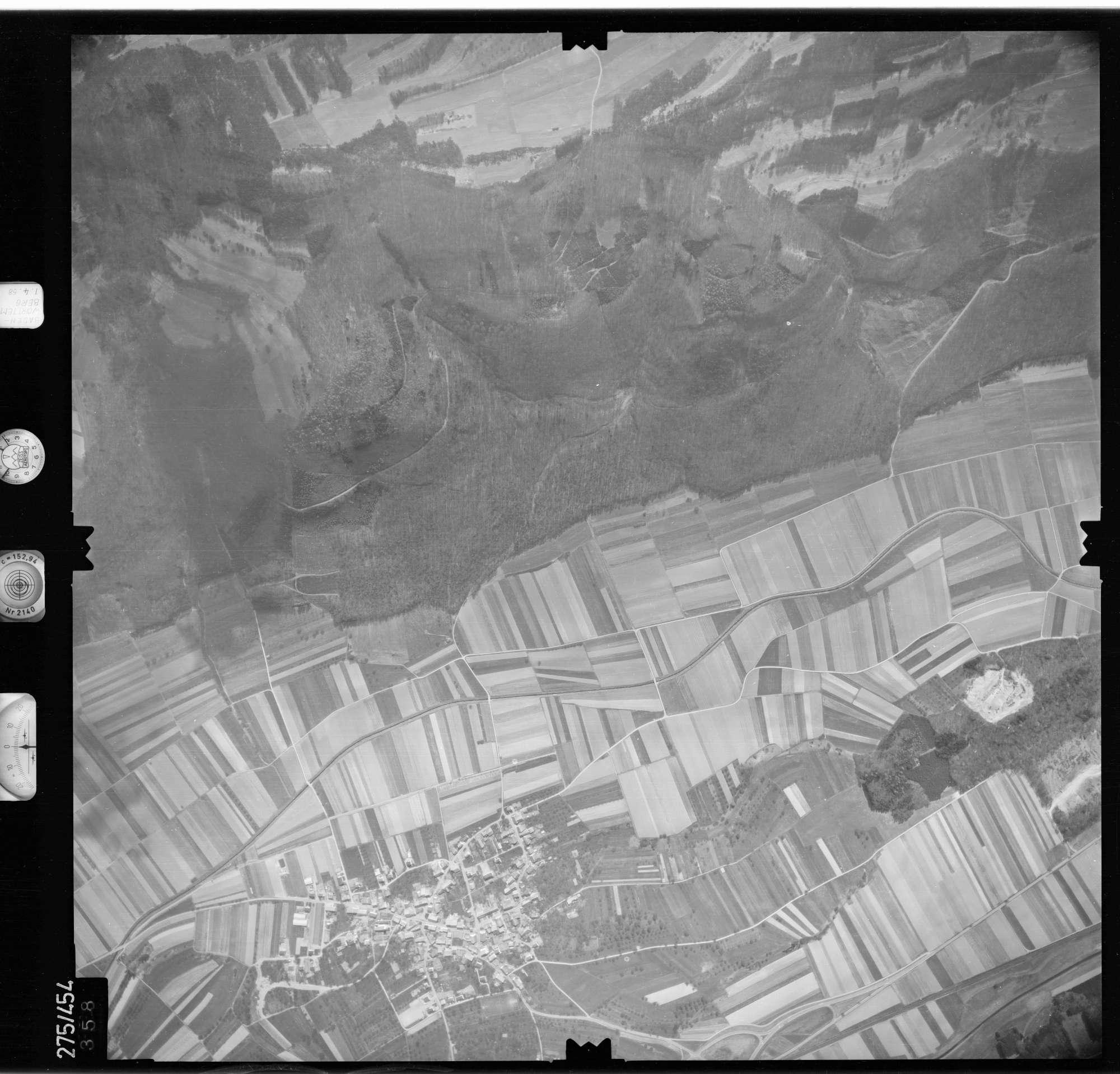 Luftbild: Film 81 Bildnr. 358, Bild 1