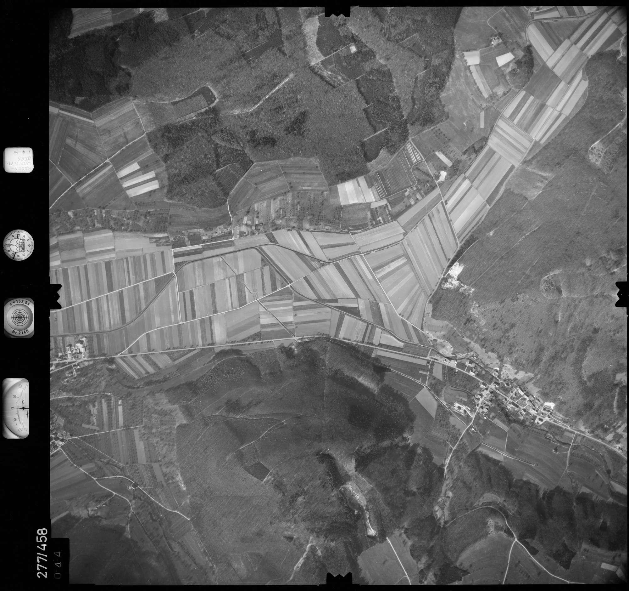 Luftbild: Film 83 Bildnr. 44, Bild 1