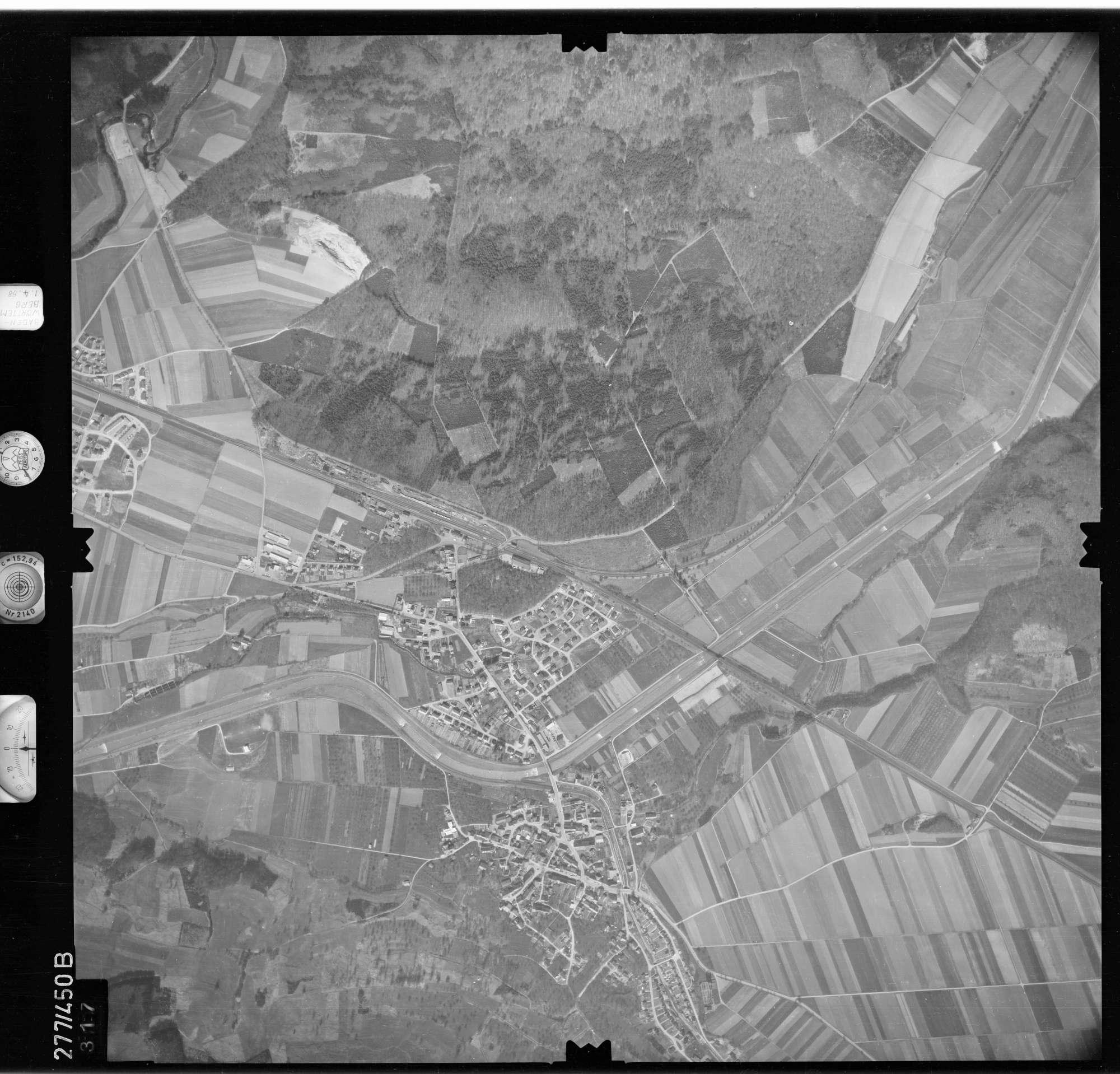 Luftbild: Film 81 Bildnr. 317, Bild 1