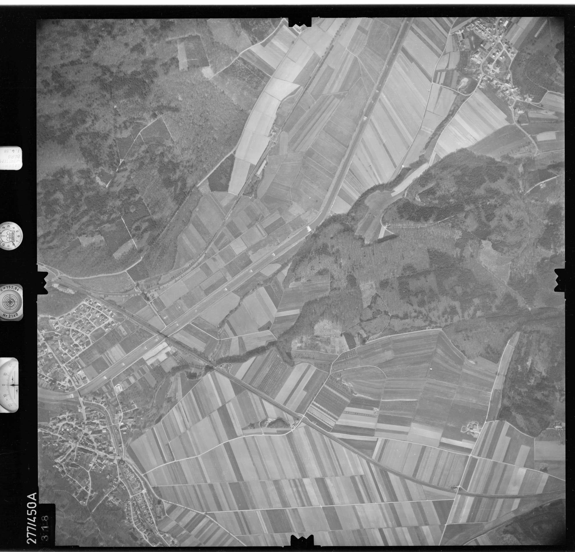 Luftbild: Film 81 Bildnr. 318, Bild 1