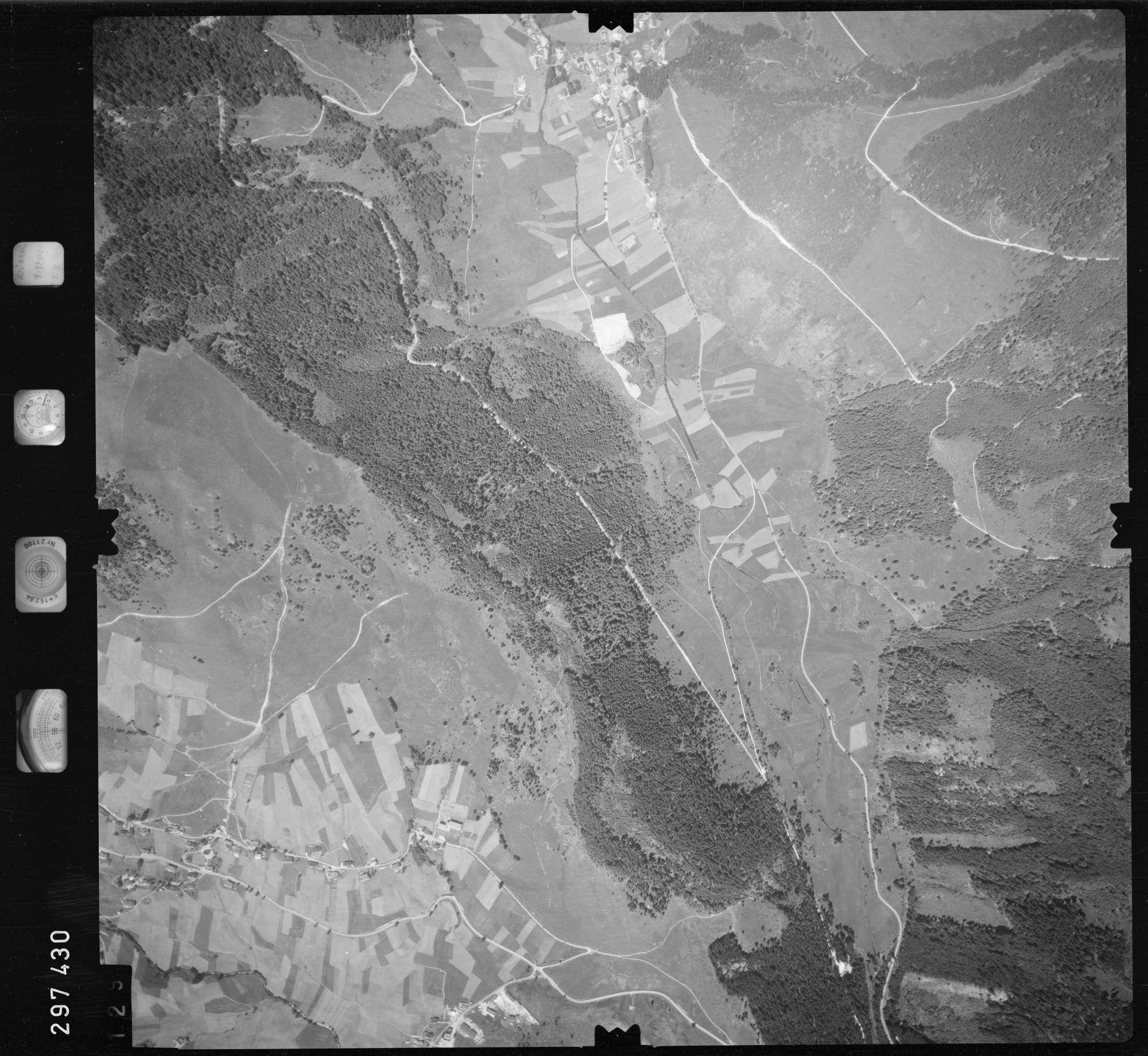 Luftbild: Film 68 Bildnr. 129, Bild 1