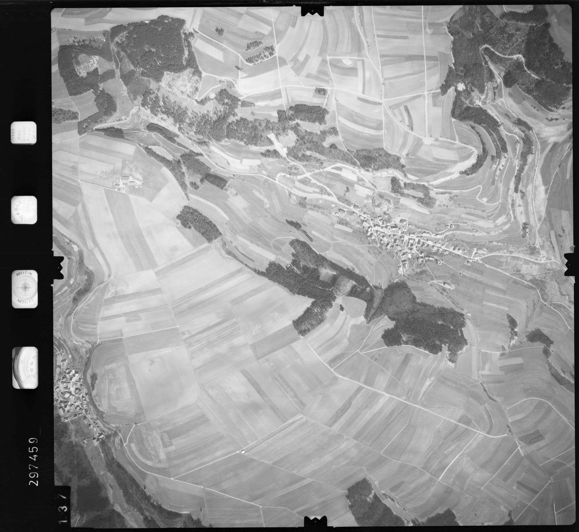 Luftbild: Film 66 Bildnr. 137, Bild 1