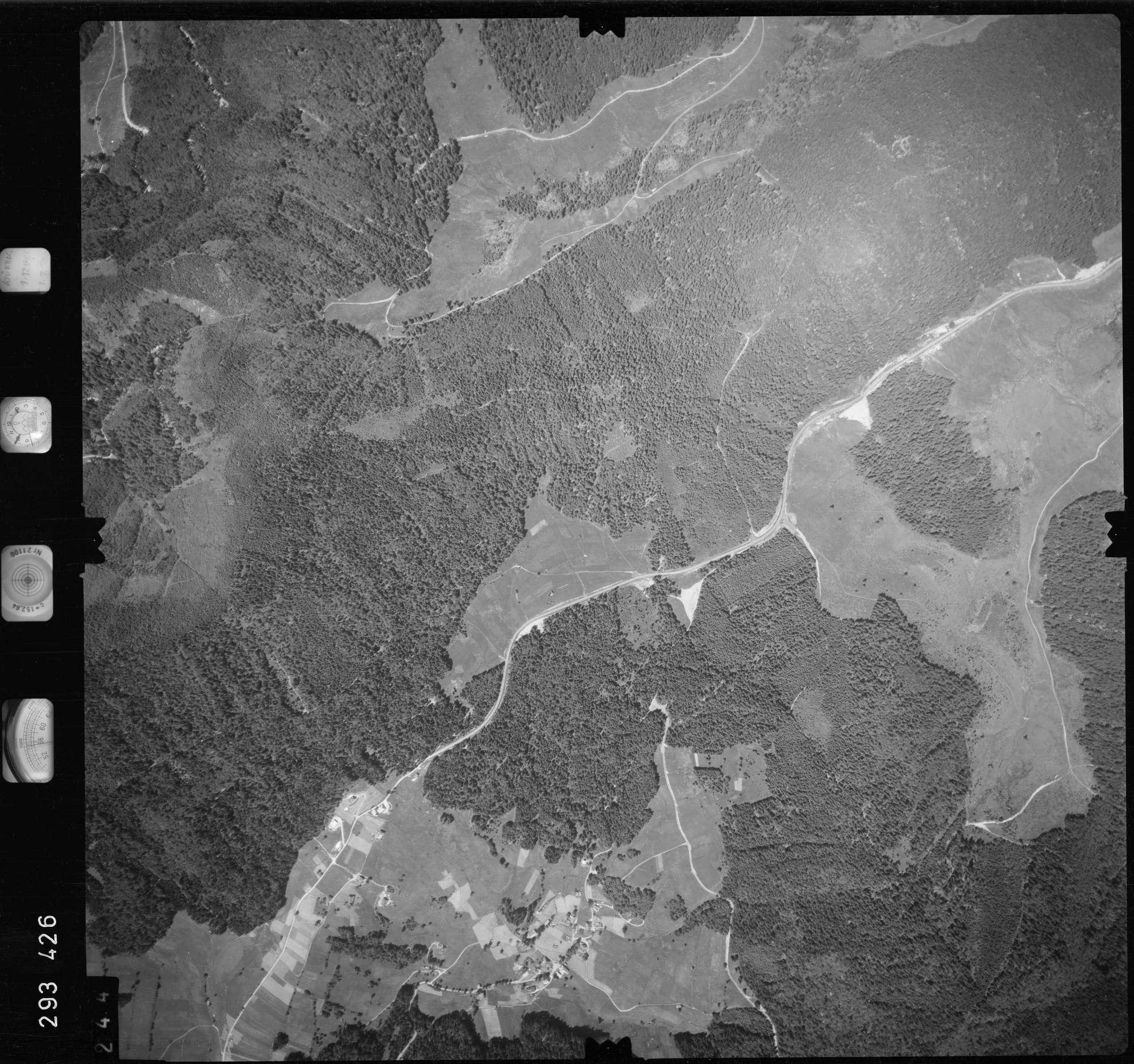 Luftbild: Film 68 Bildnr. 244, Bild 1