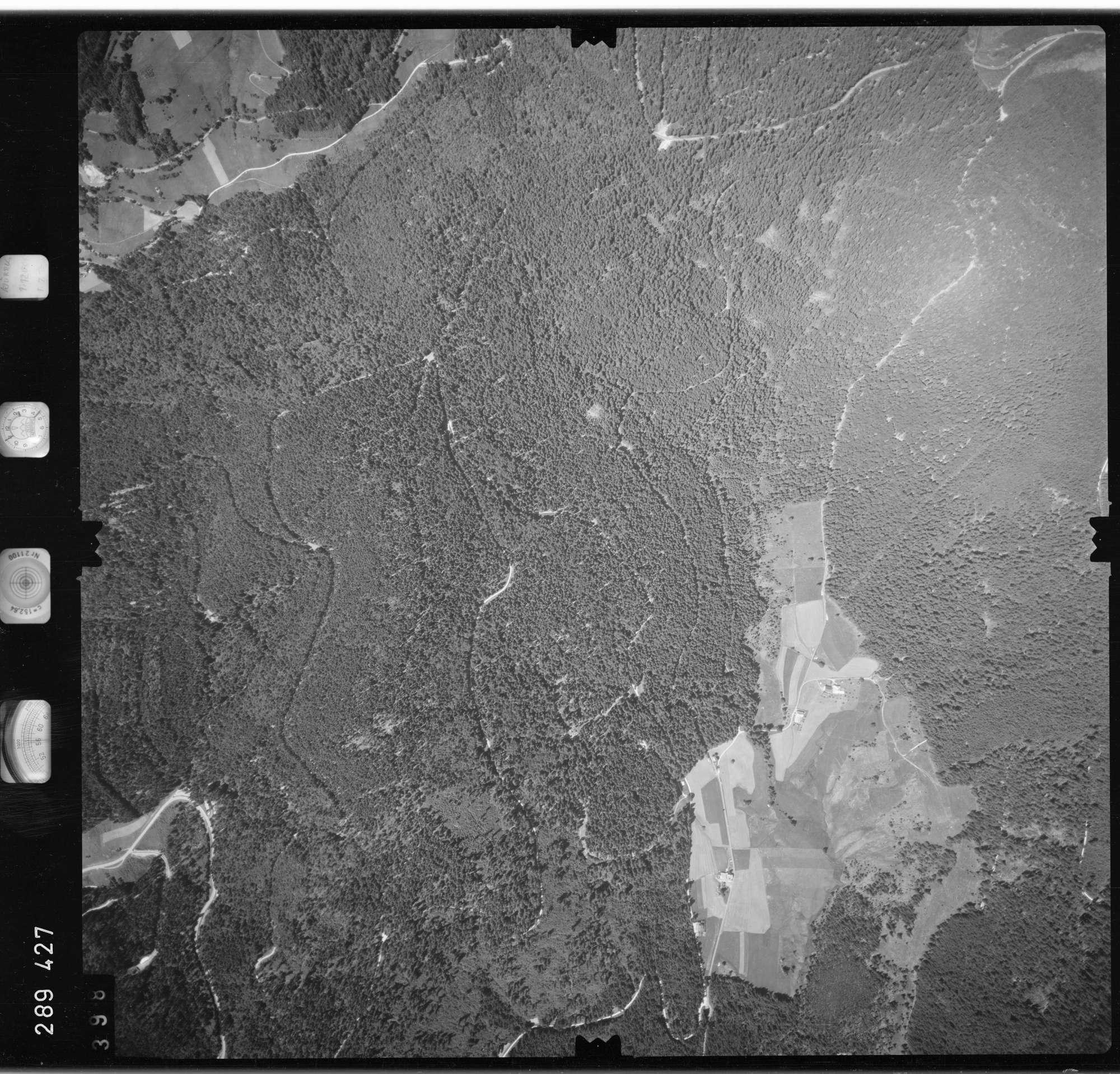 Luftbild: Film 72 Bildnr. 398, Bild 1