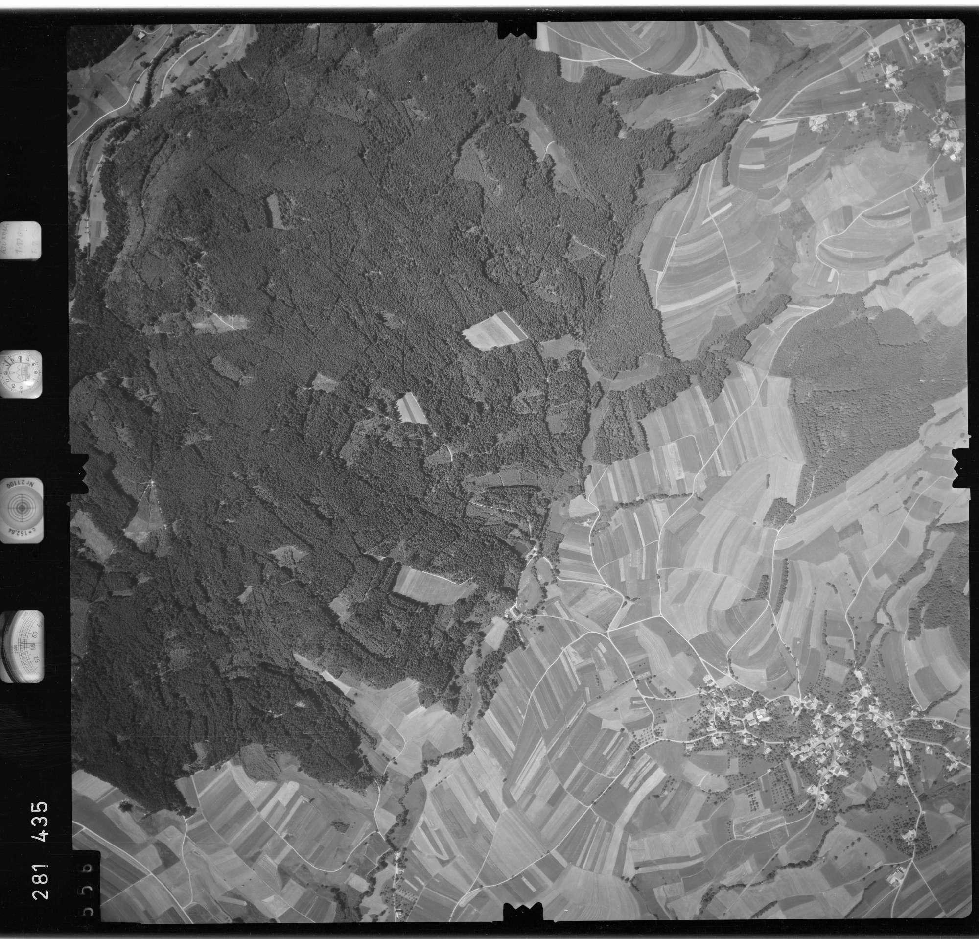Luftbild: Film 72 Bildnr. 556, Bild 1